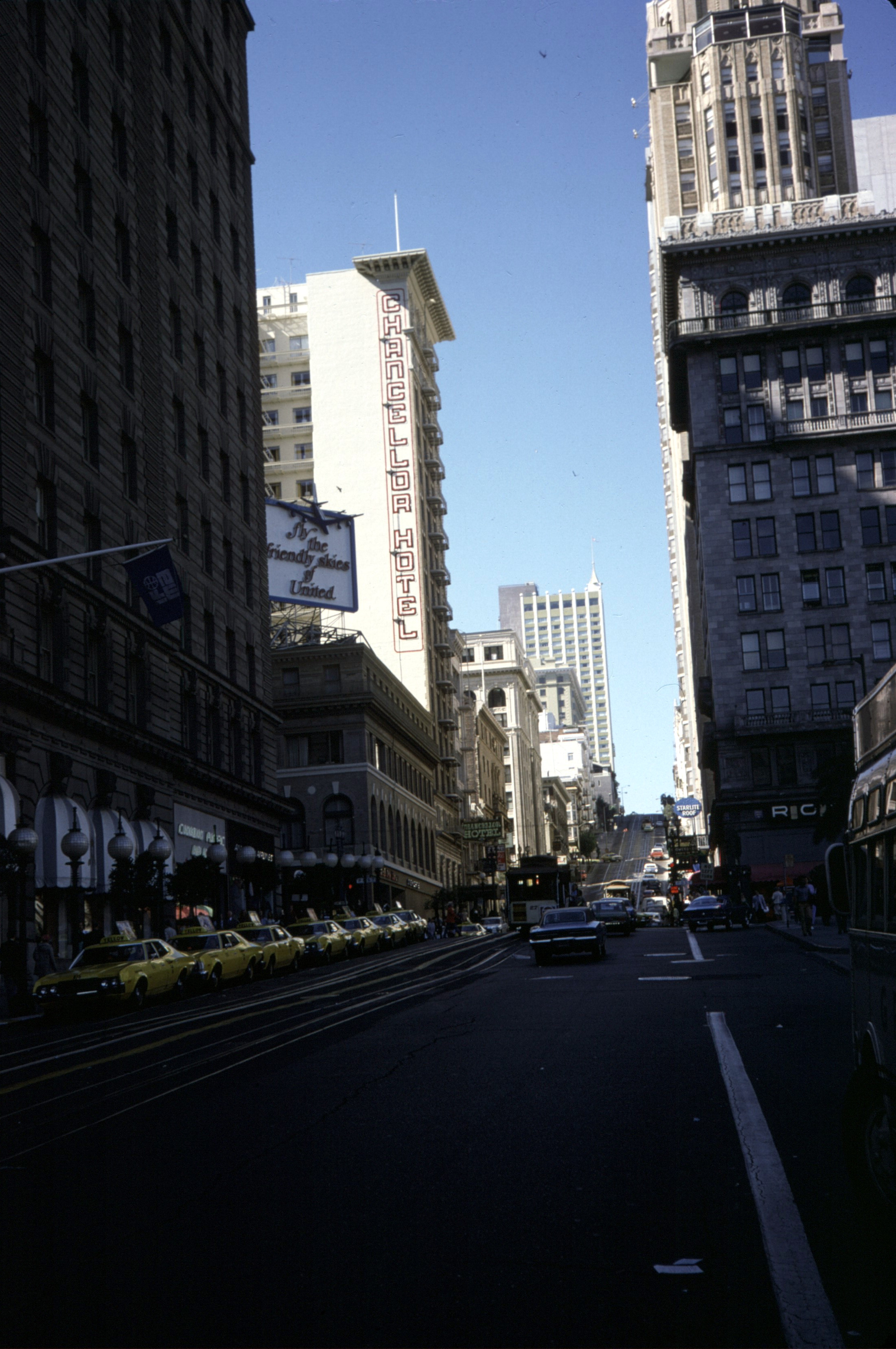 File Powell St And Chancellor Hotel San Francisco 1974 Jpg Wikimedia Commons