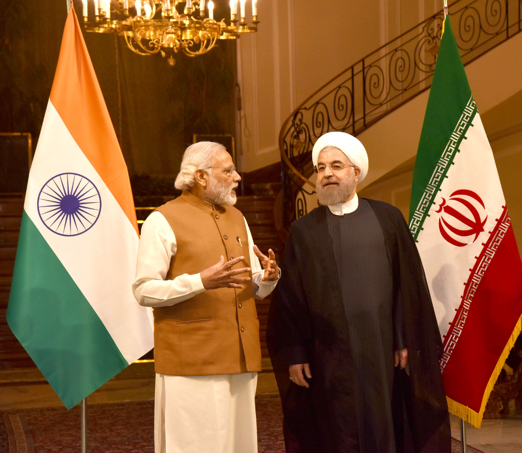 https://upload.wikimedia.org/wikipedia/commons/f/fc/Prime_Minister_Narendra_Modi_with_President_of_Iran,_Hassan_Rouhani.jpg