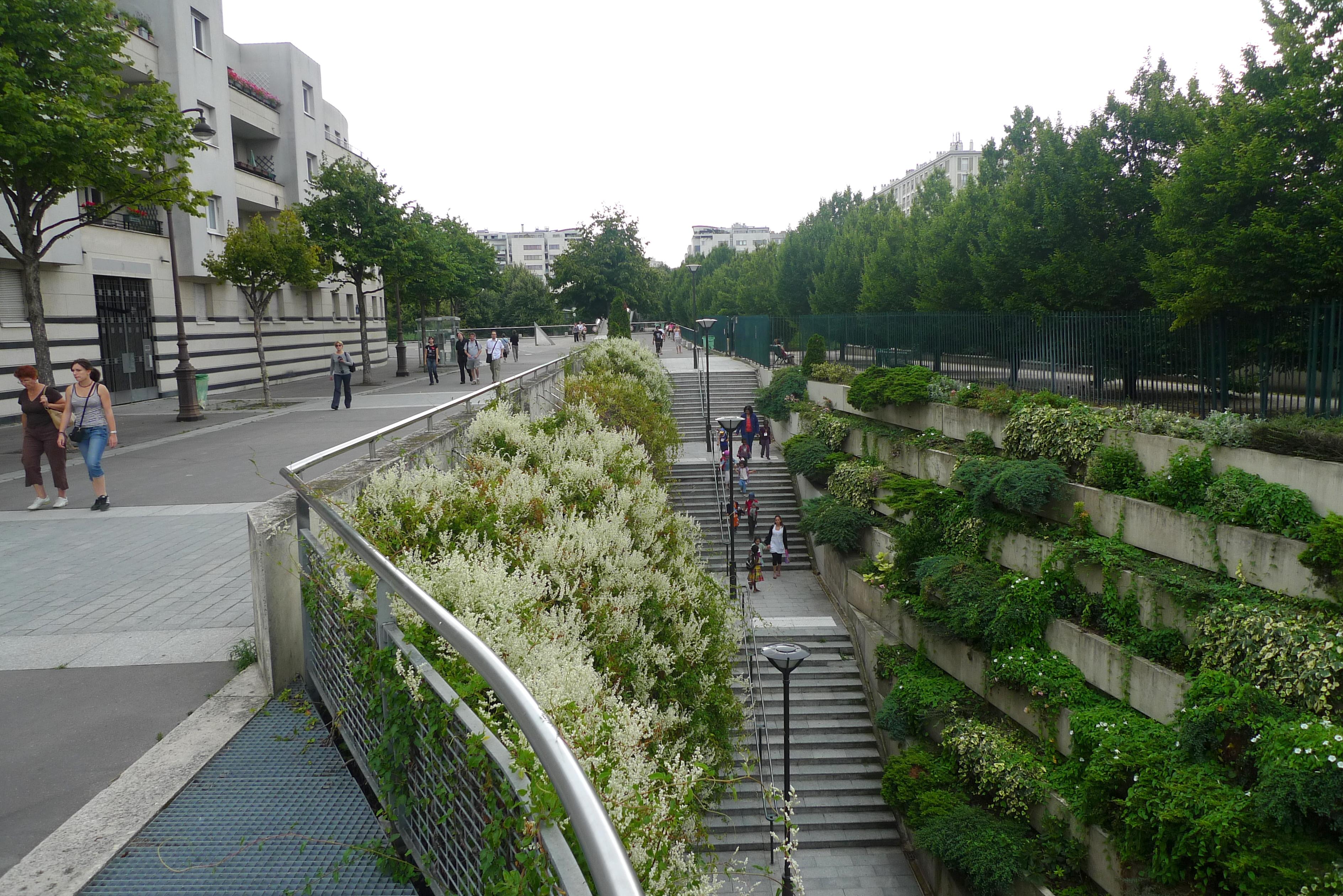 File promenade plant e paris august 2009 10 jpg wikimedia commons - Landscaping parijs ...