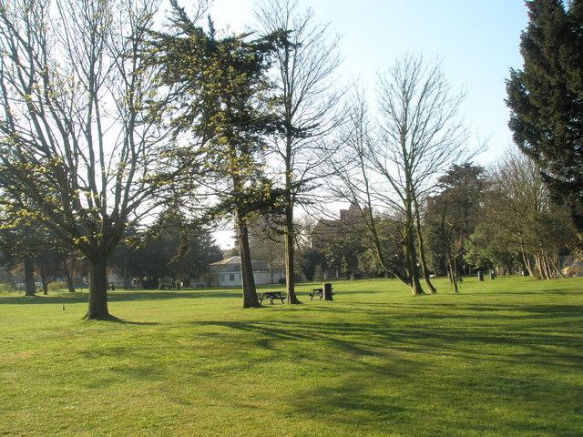 Ravelin Park