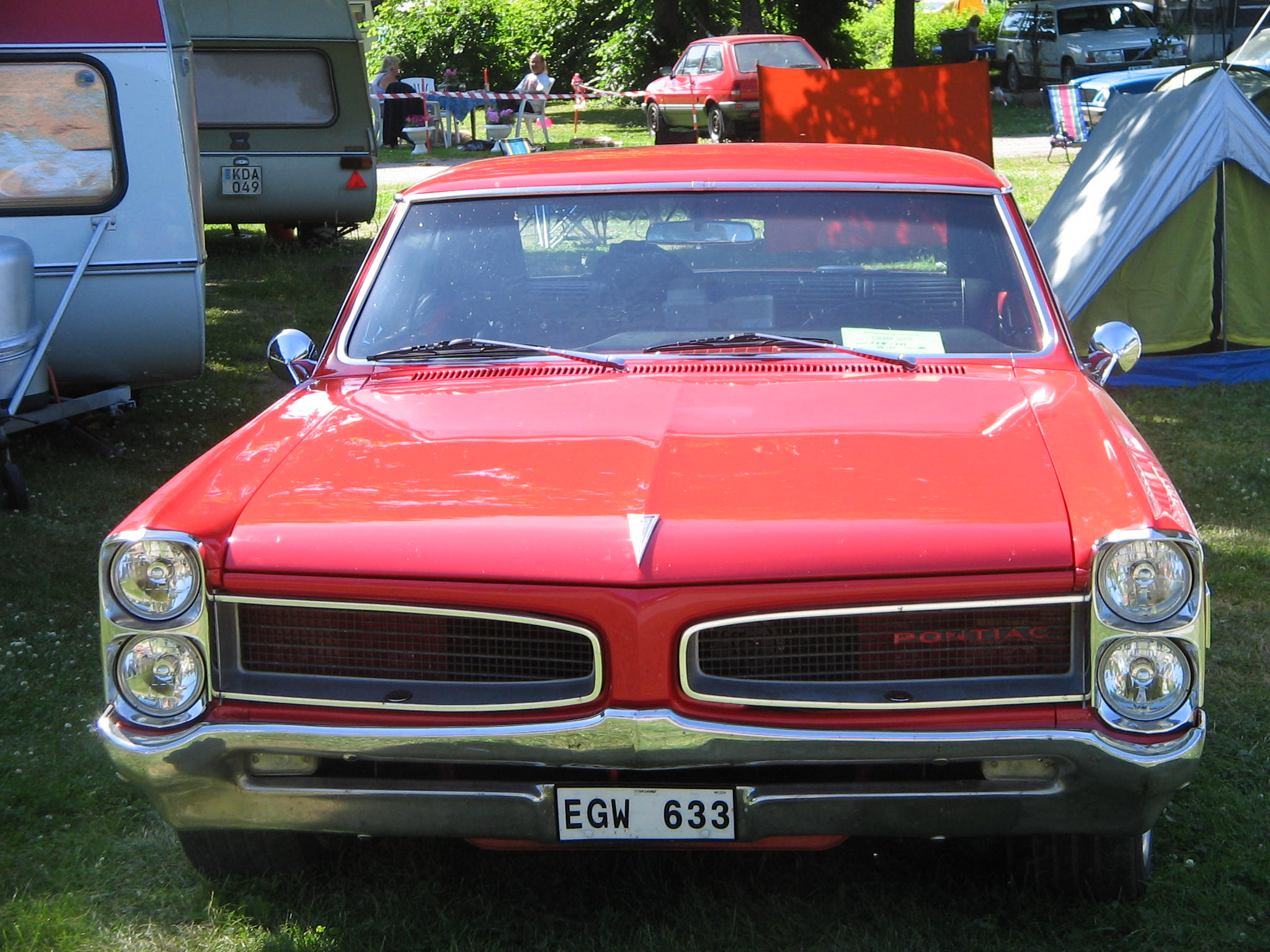 File:Red Pontiac at Power Big Meet 2005.jpg - Wikimedia Commons