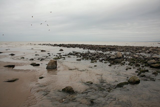 Rocky foreshore at Llanina - geograph.org.uk - 742869