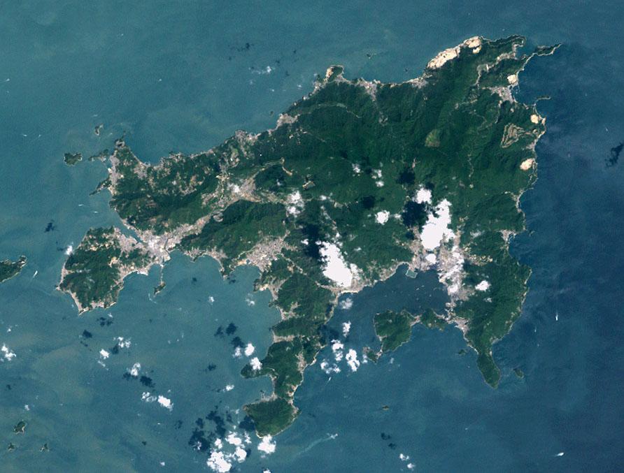 小豆島の衛星写真 From Wikipedia