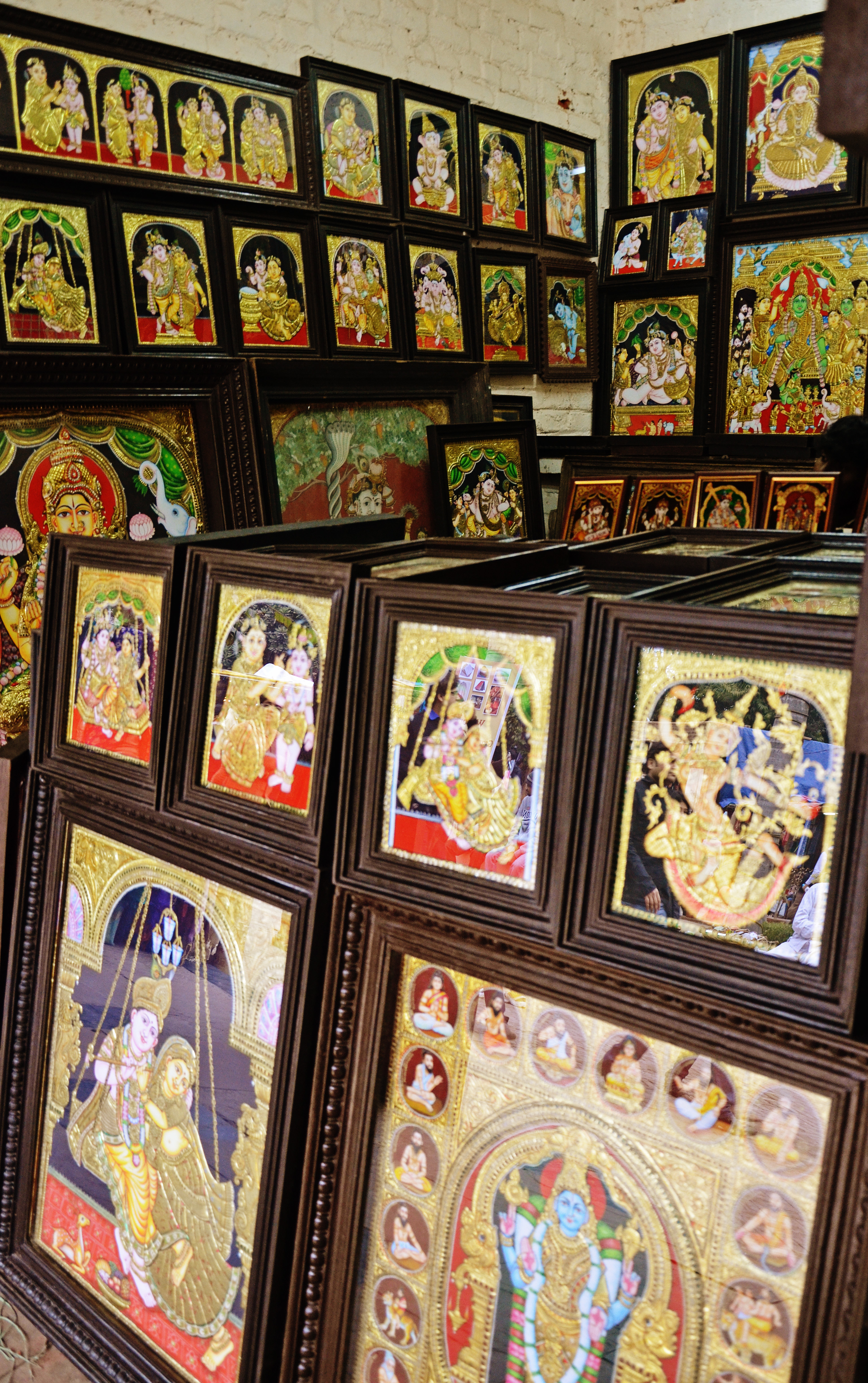 File:Tanjore paintings being sold at Dilli Haat.JPG ...