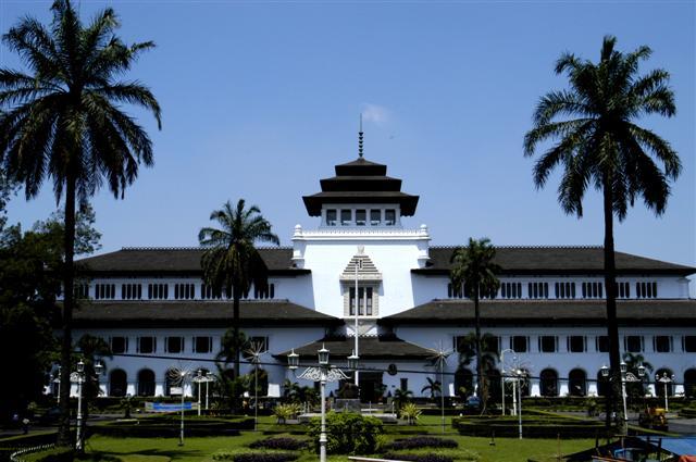 Tempat Wisata Di Bandung Gambar Gedung Sate Jpg