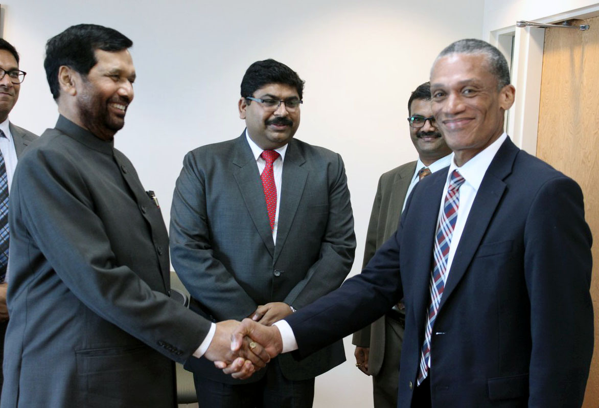 File The Union Minister For Consumer Affairs Food And Public Distribution Shri Ram Vilas Paswan Calling On The Minister Of Foreign Affairs Of Trinidad And Tobago Mr Dennis Moses At Port Of Spain