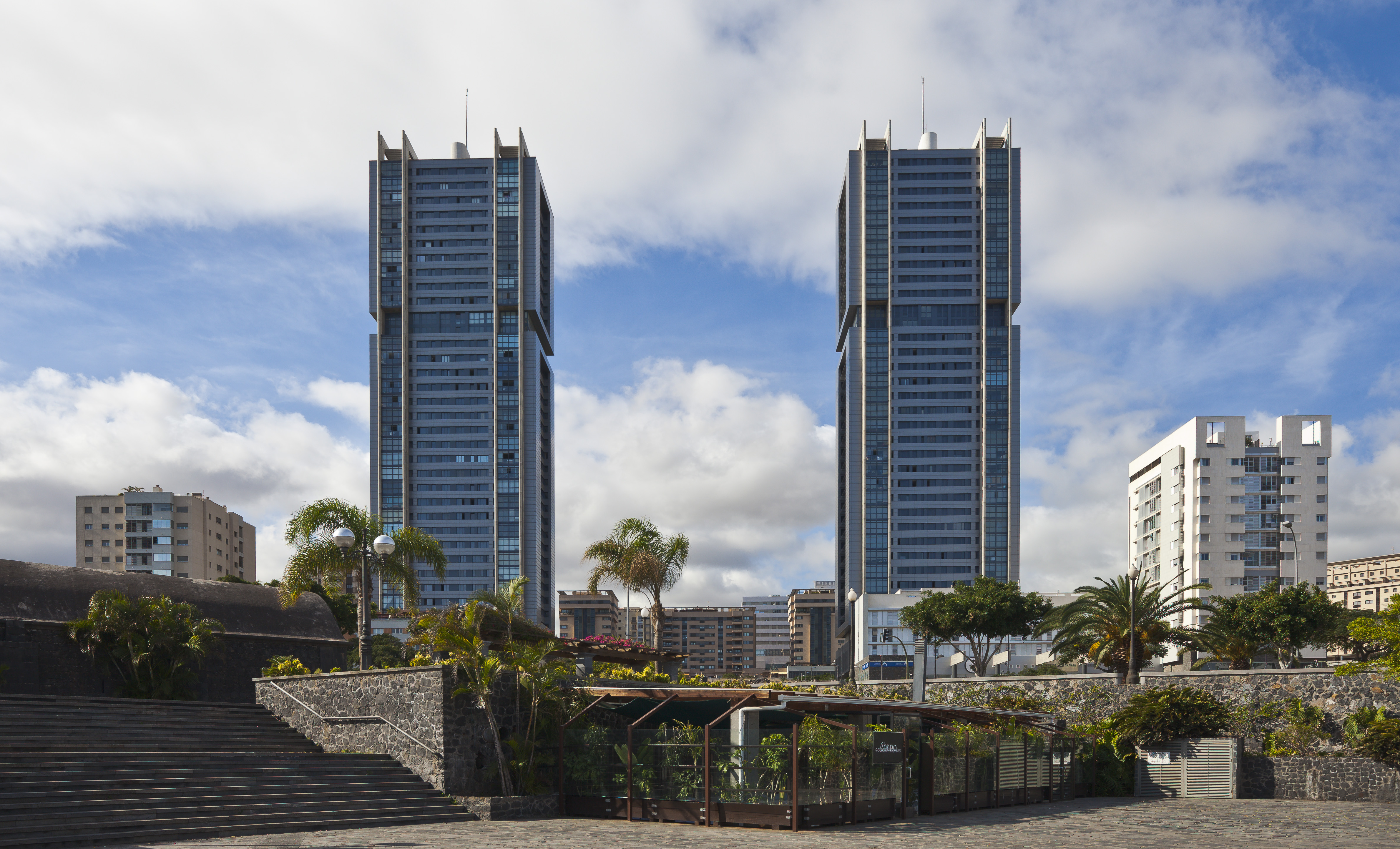 Torres de santa cruz santa cruz de tenerife espa a 2012 - Apartamentos las torres tenerife ...
