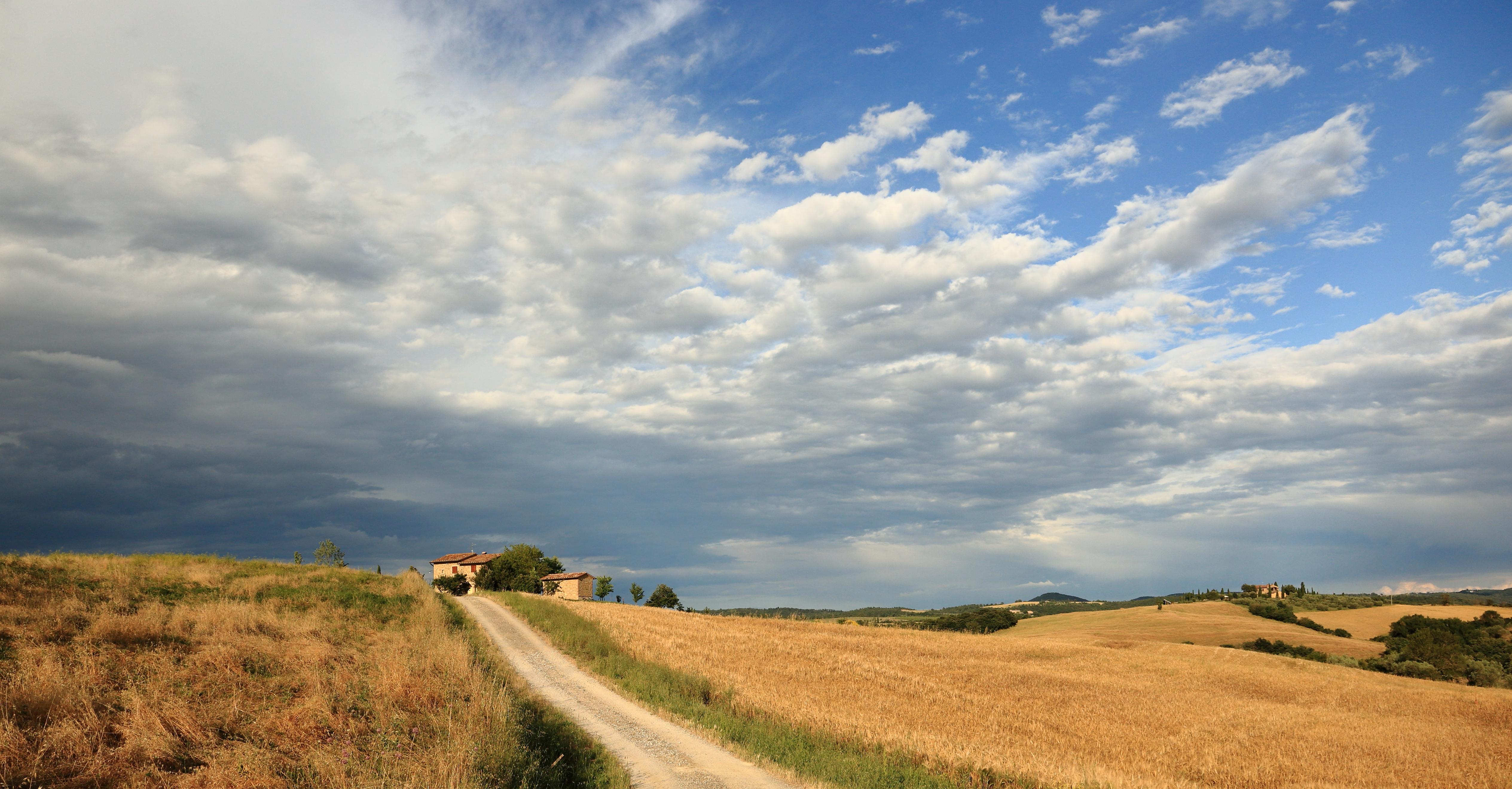 Description Tuscan Lan...