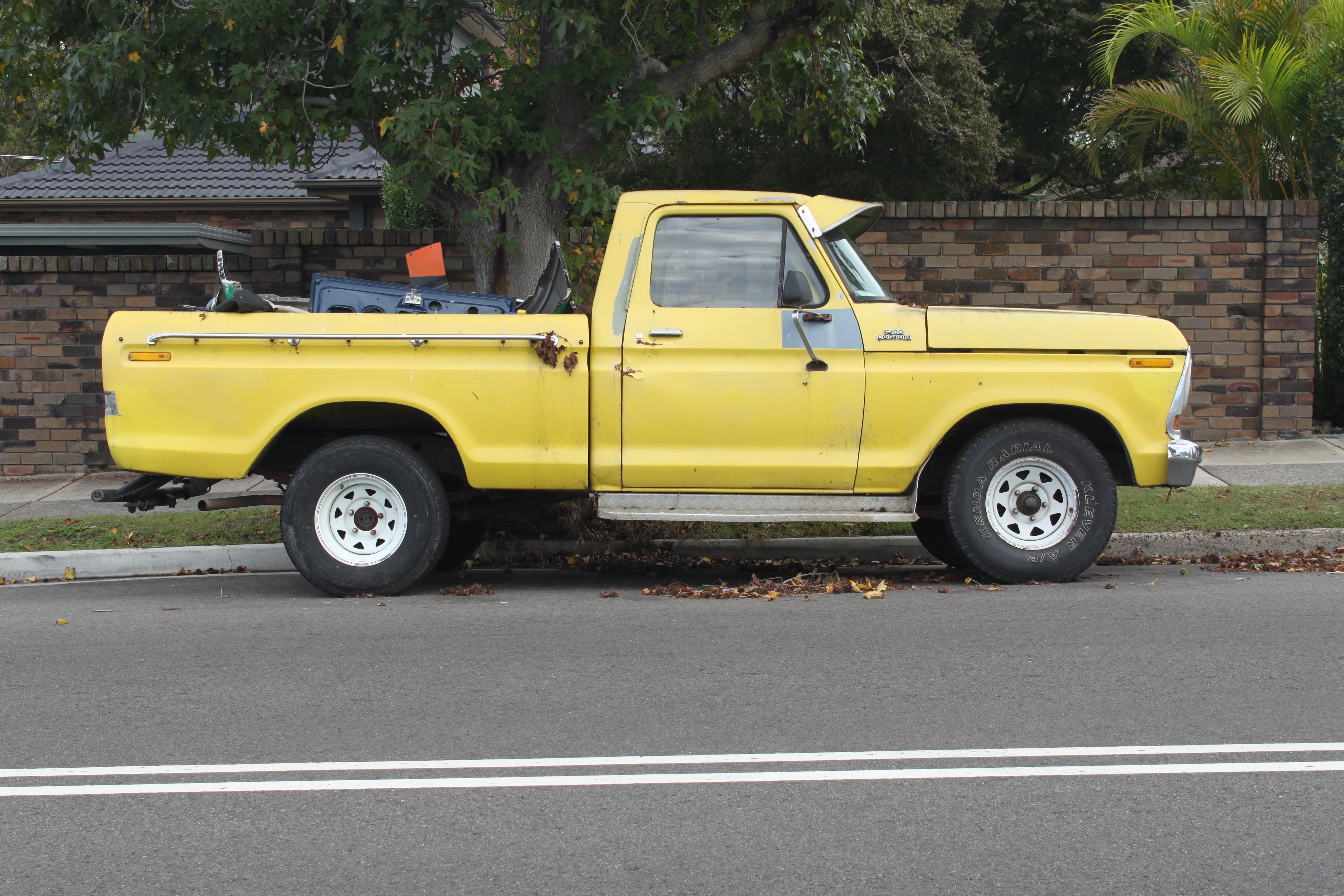 File:1978 Ford F100 Custom (17118704251).jpg - Wikimedia Commons