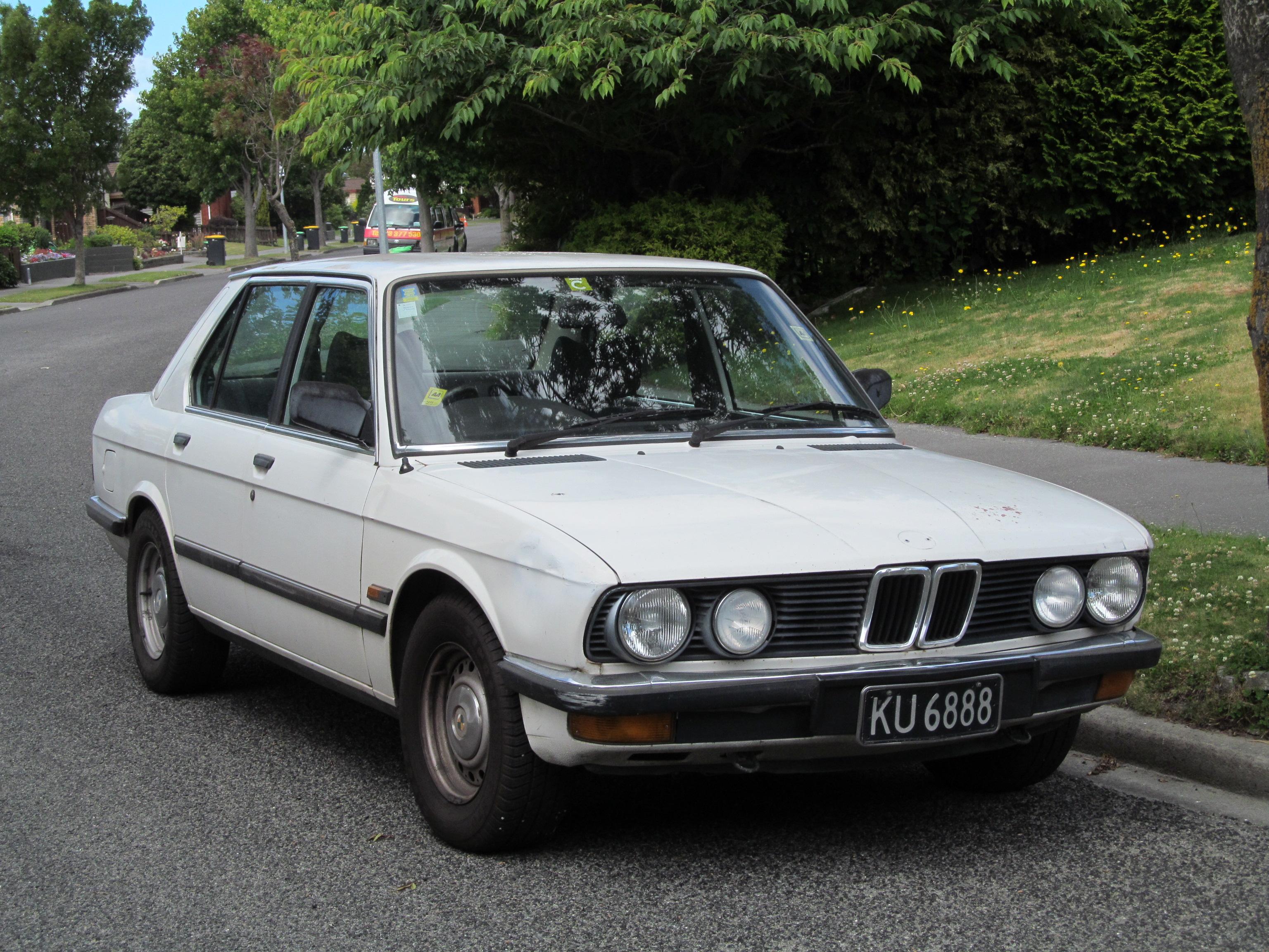 BMW E28 –