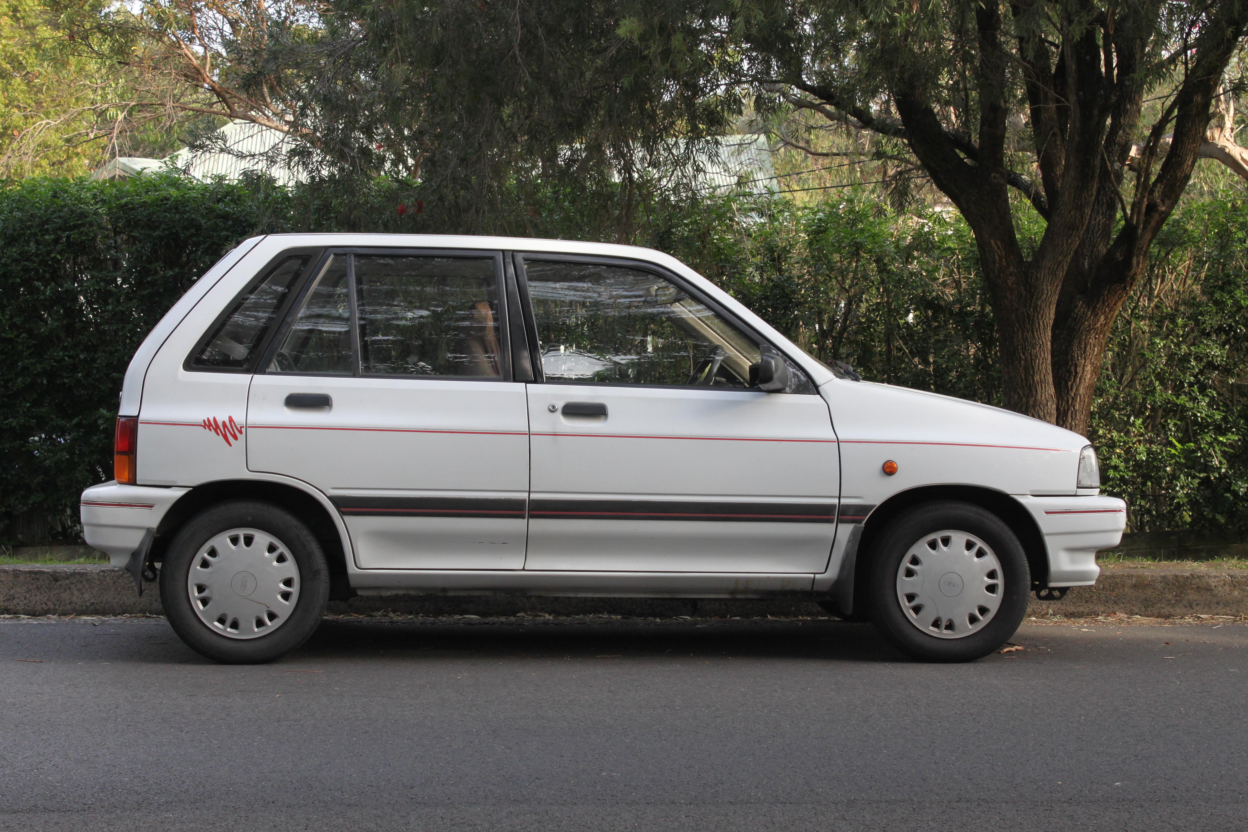 File 1992 ford festiva wa 5 door hatchback 26633205523