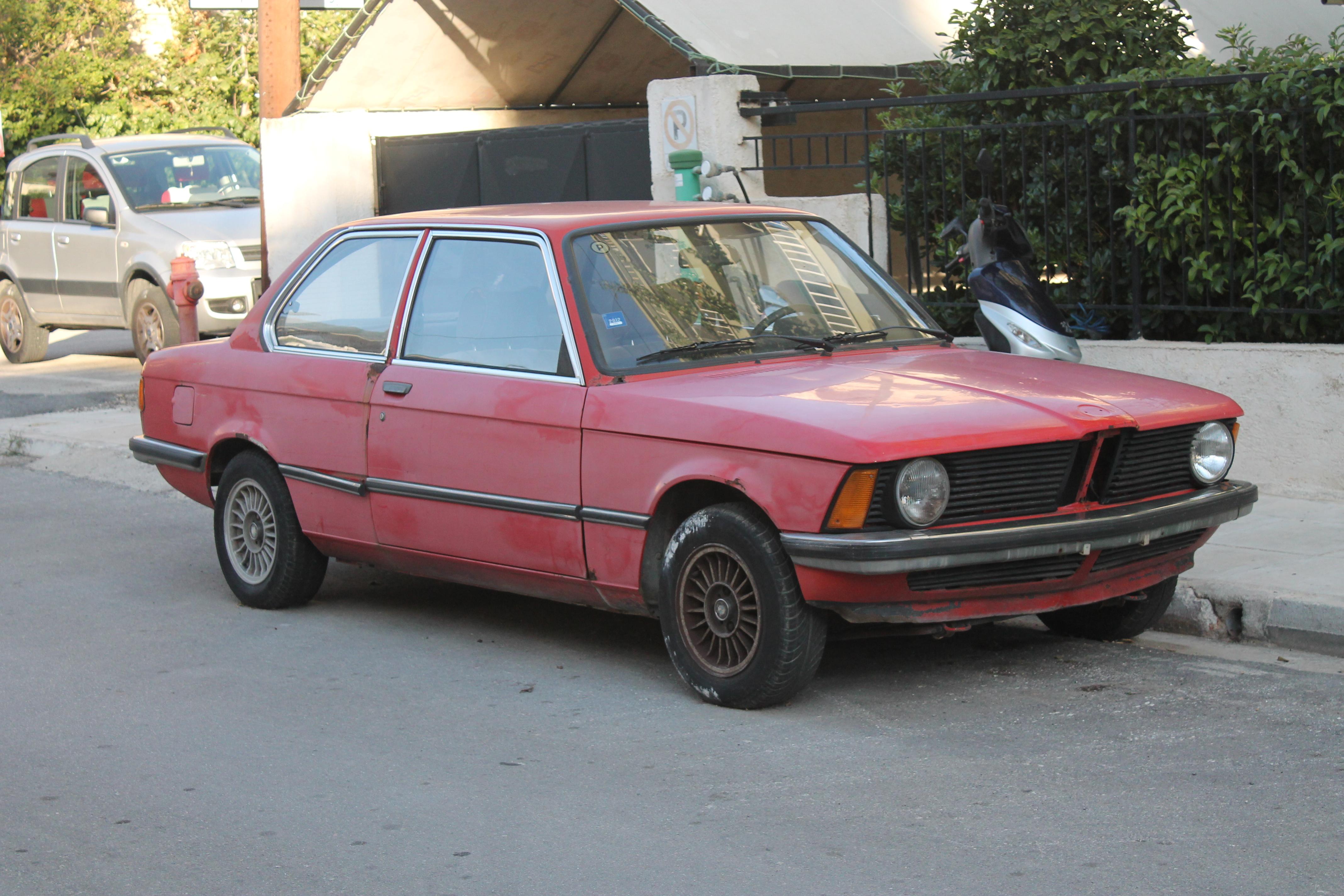File:Abandoned BMW 318 E21 (1975-83) (10516860205).jpg