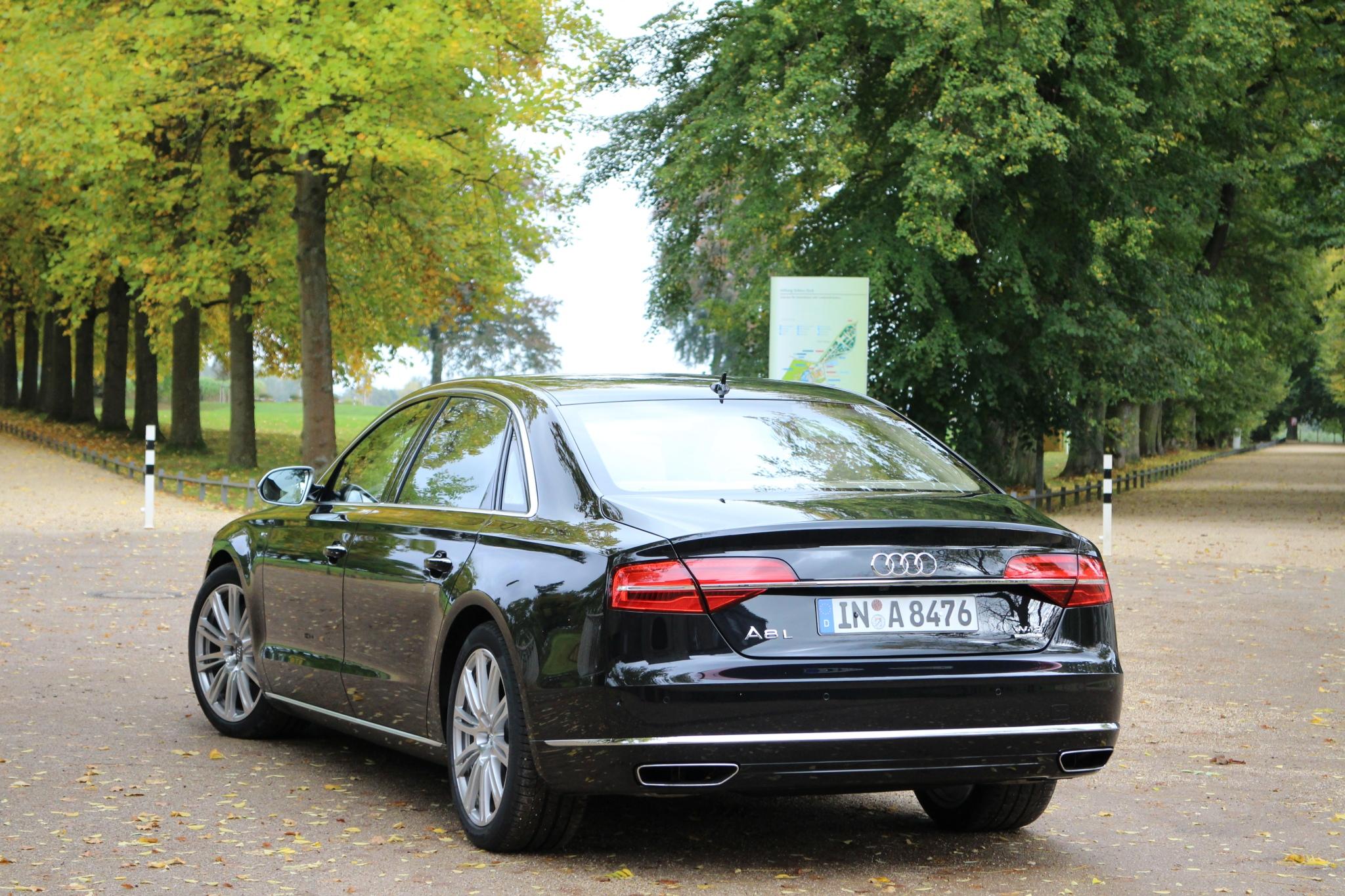 Kelebihan Audi A8 2013 Harga