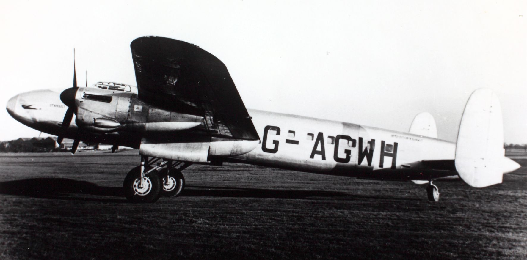 Avro Avro 691 Lancastrian 3 G-AGWH cn 1280 'Stardust' BSAA (British South American Airways) (15215624954).jpg