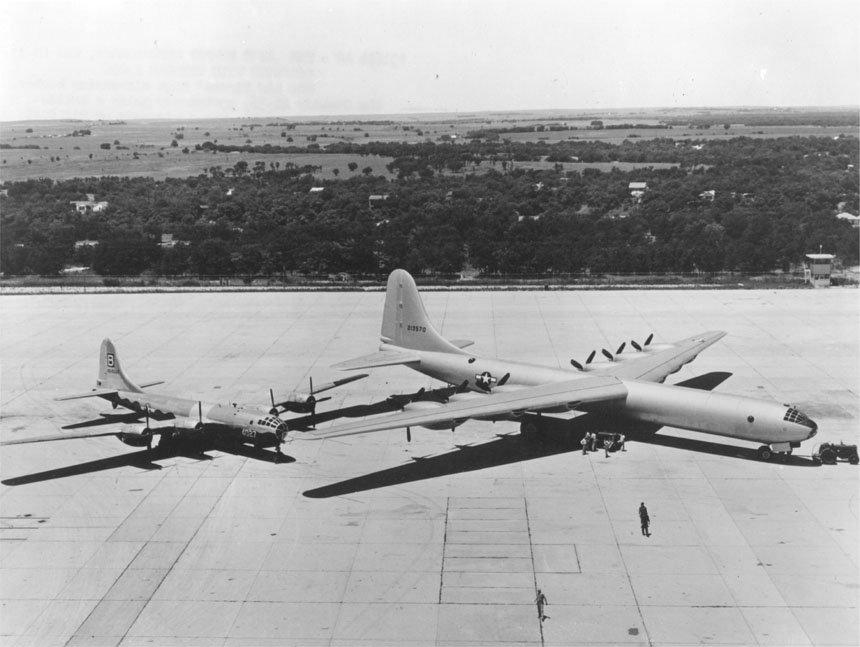 File:B-29 and B-36.jpg - Wikimedia Commons