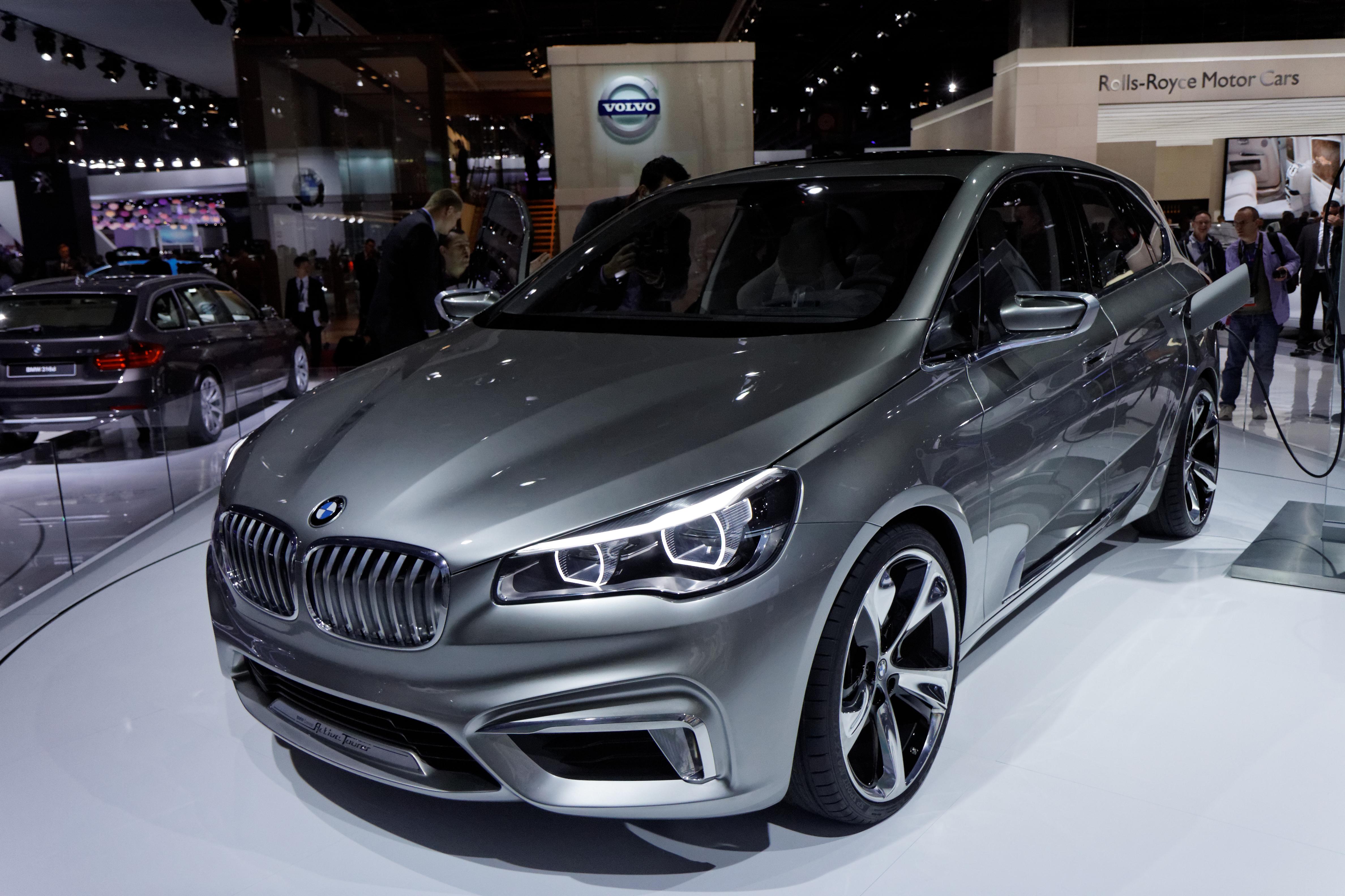 File:BMW Active Tourer Concept - Mondial de l\'Automobile de Paris ...