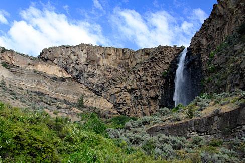 File:Billy Chinook Falls (Jefferson County, Oregon scenic images) (jefDB1363).jpg