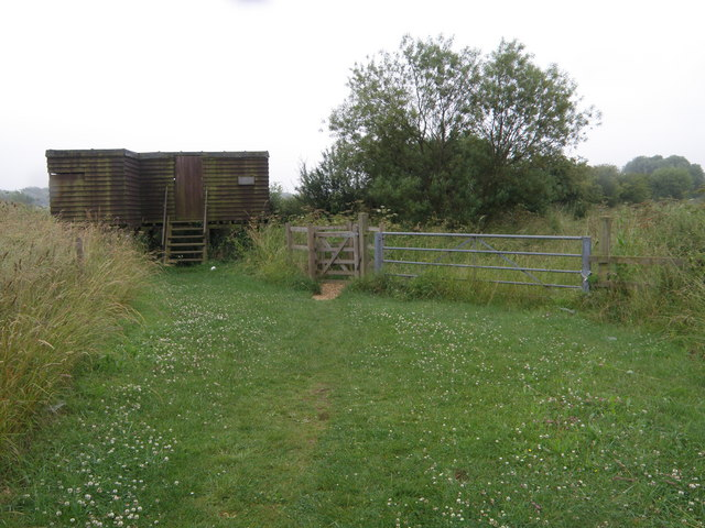 Bird Hide at Titchmarsh Nature Reserve - geograph.org.uk - 1377976