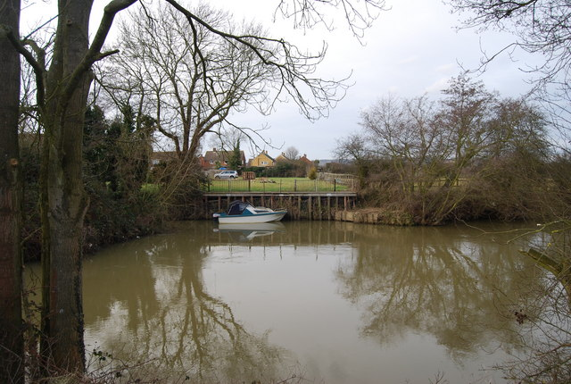 Boat moored on the River Medway near East Peckham - geograph.org.uk - 1159060