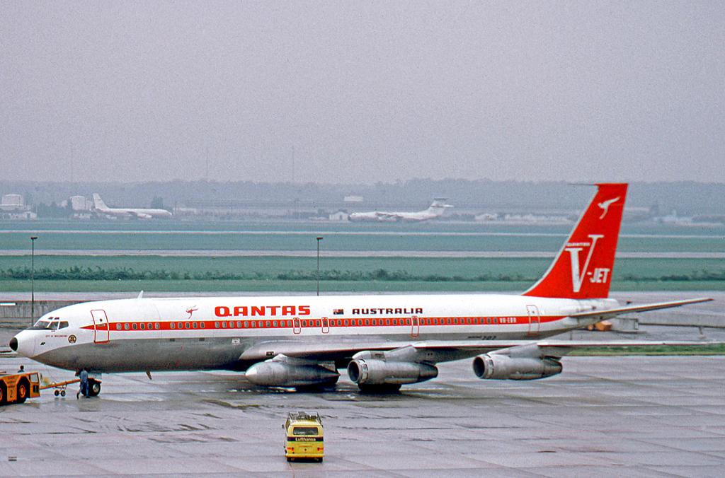Stock Market Chart History: History of Qantas - Wikipedia,Chart