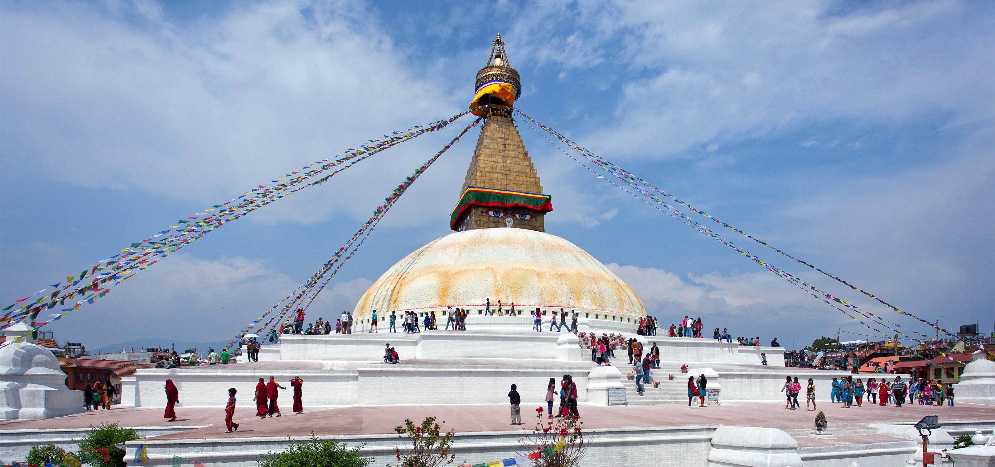 file:boudhanath stupa kathmandu - wikimedia commons