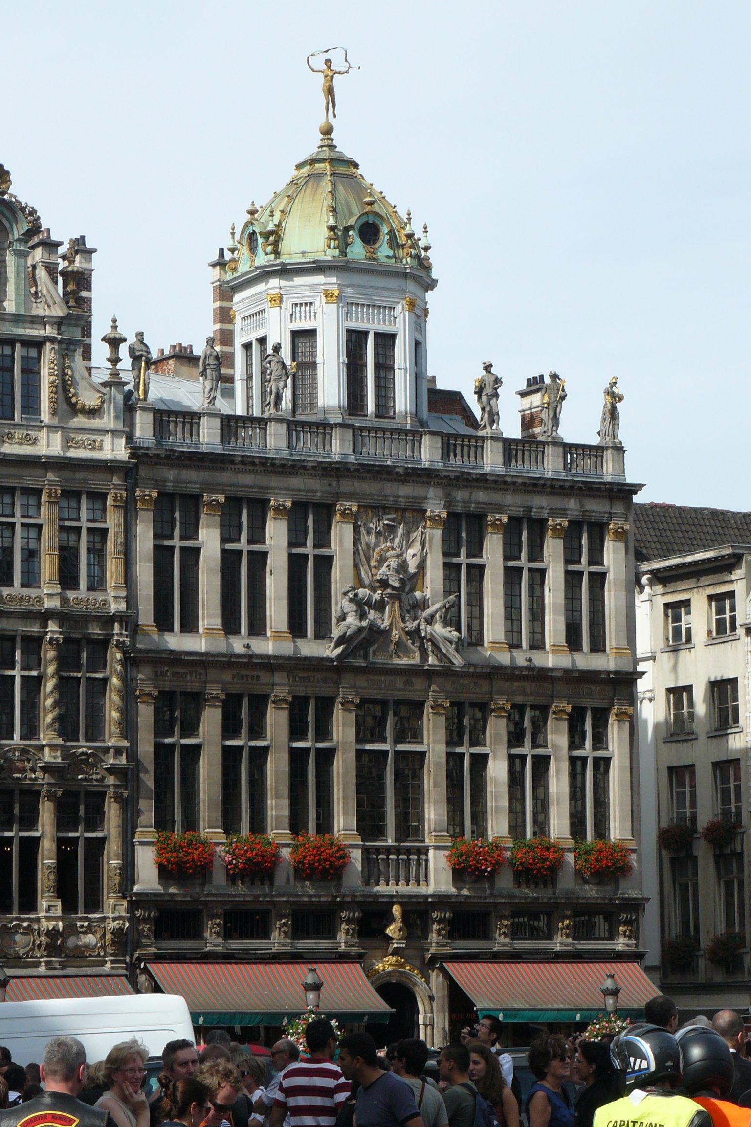 File:Bruxelles Le Roi d'Espagne ou la maison des Boulangers 2043 ...