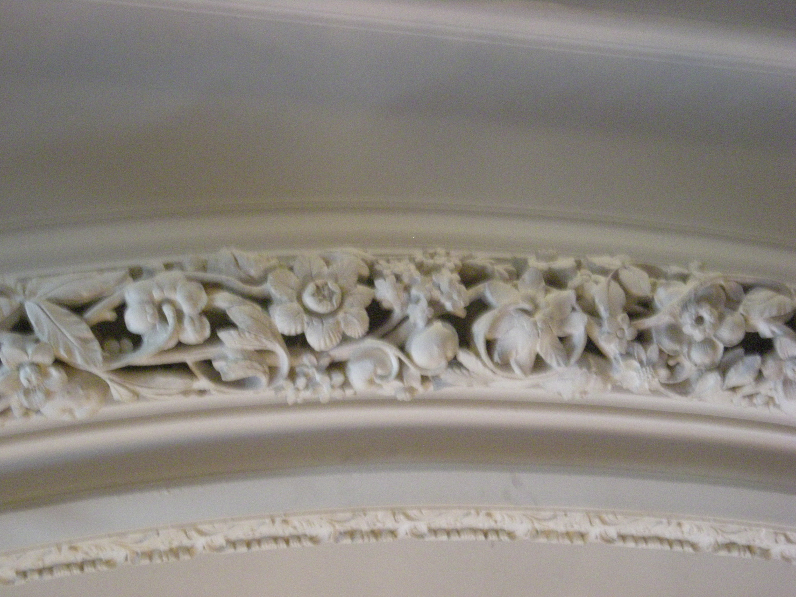 File:Casa Loma July 2010 12 (Dining Room ceiling detail).JPG ...