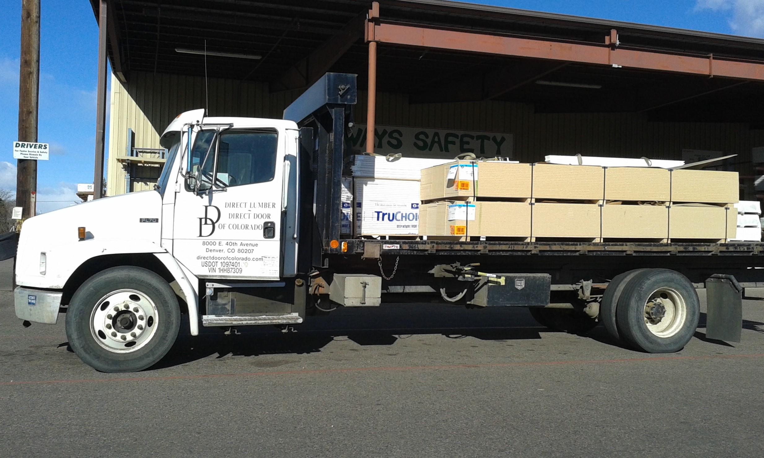 PETERBILT Trucks #04 -- Peterbilt's pulling Super B's, 53' Refers ...