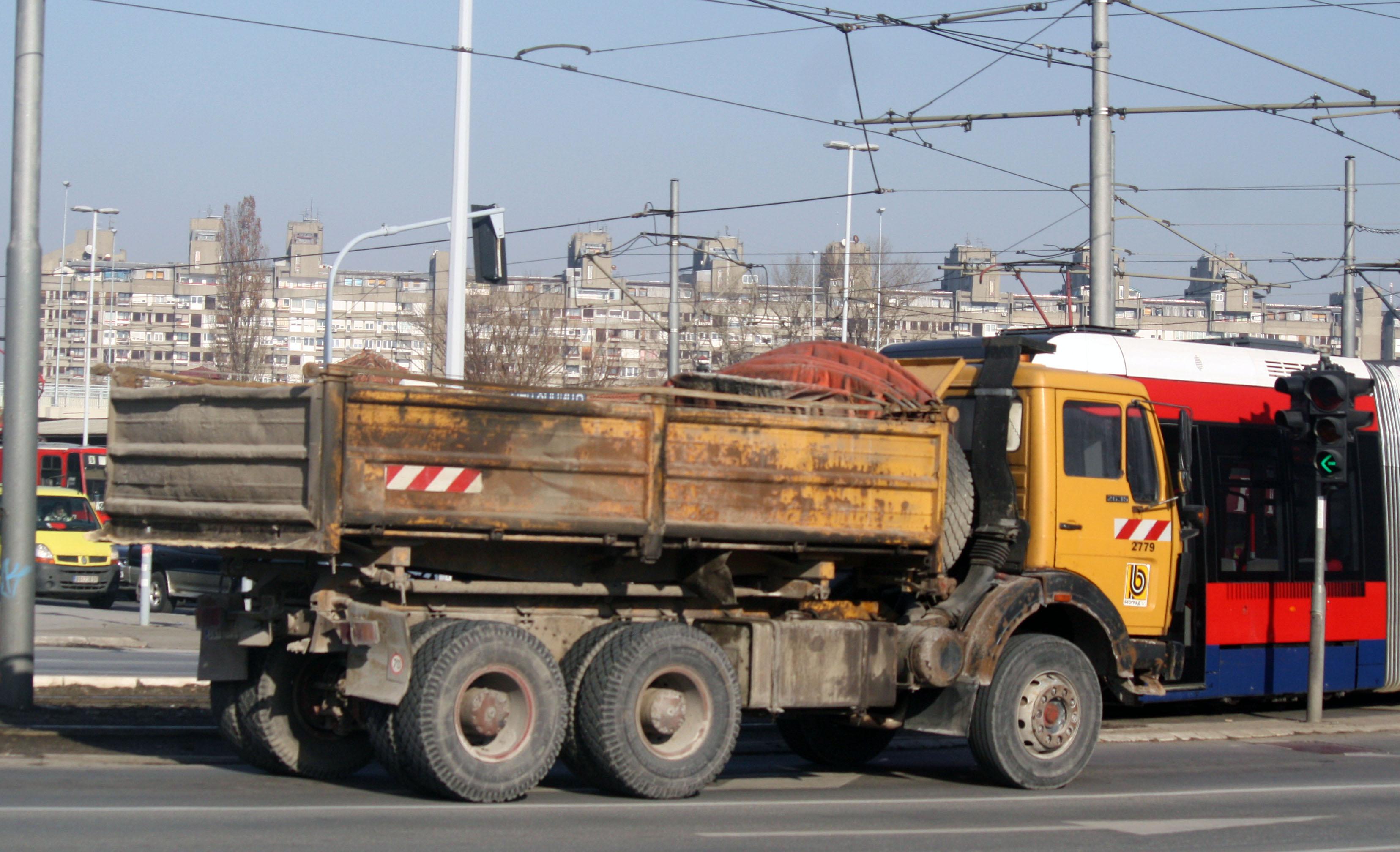 File:FAP 2635 Beograd put 3.jpg