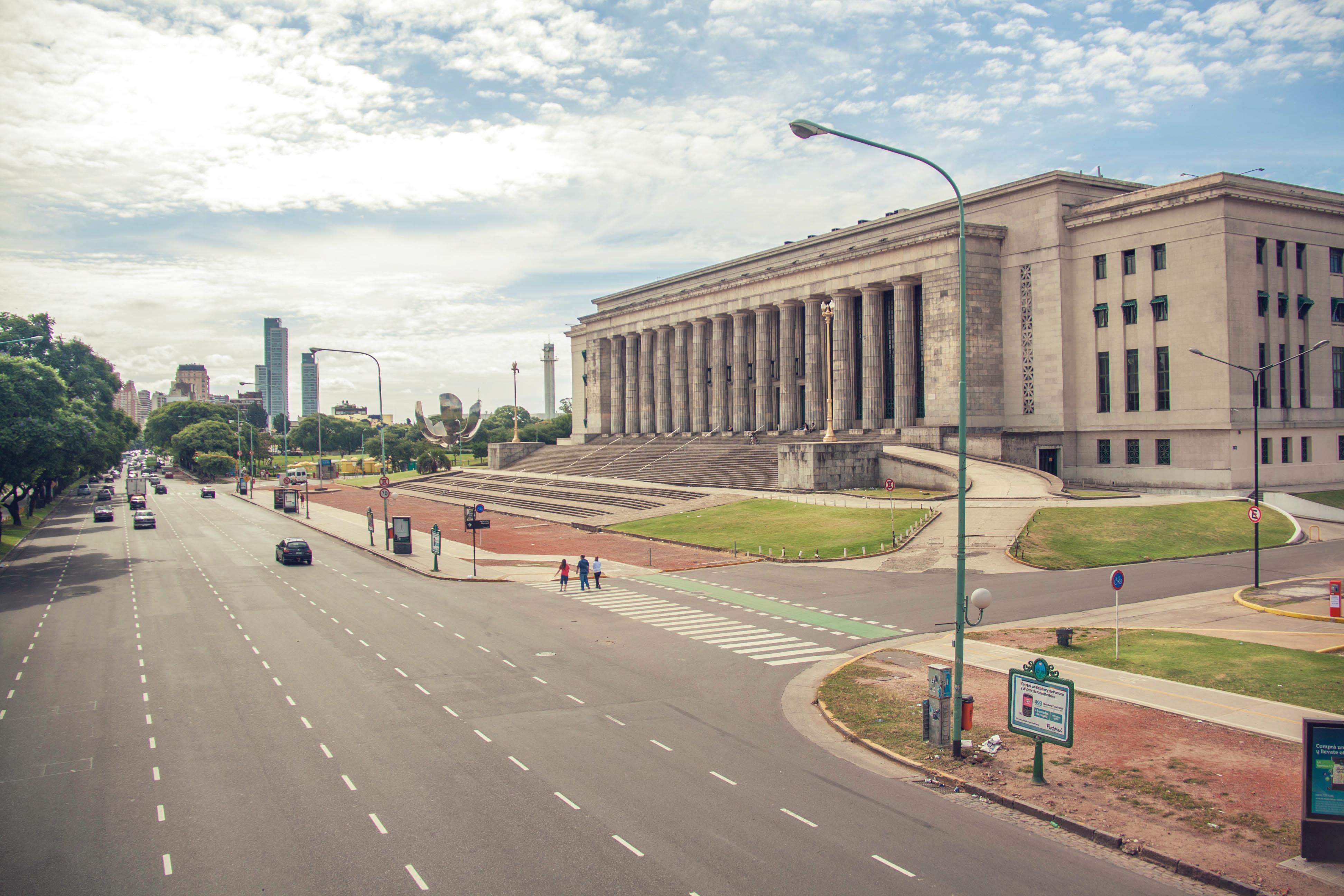 Facultad de Derecho (8617641510).jpg