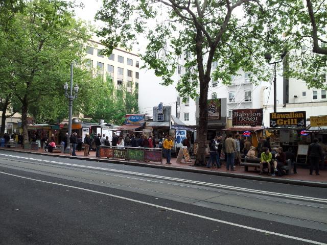 Food carts at SW 5th, Portland, Oregon (2013)