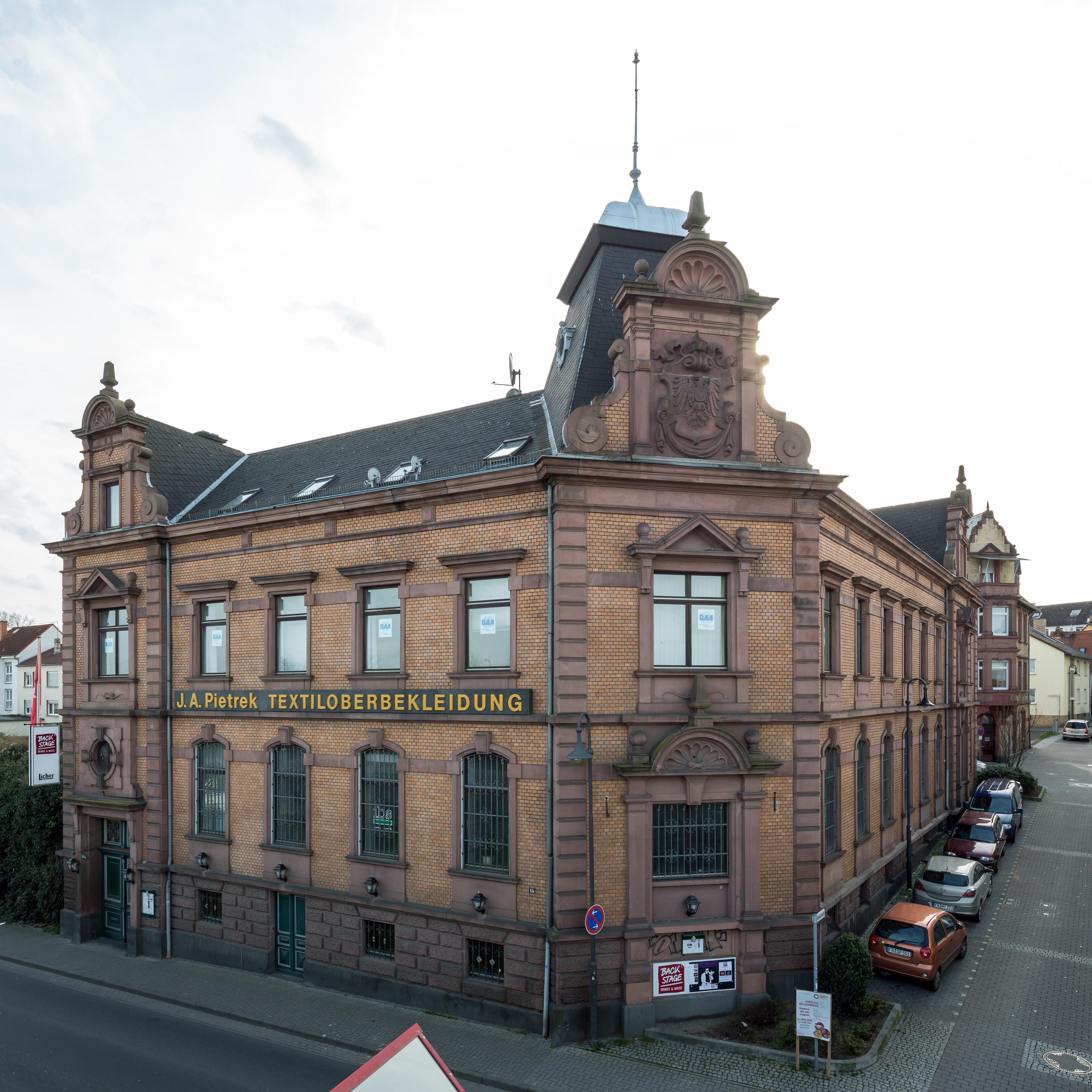 file friedberg hessen alte bahnhofstrasse 15 von nordosten wikimedia commons. Black Bedroom Furniture Sets. Home Design Ideas