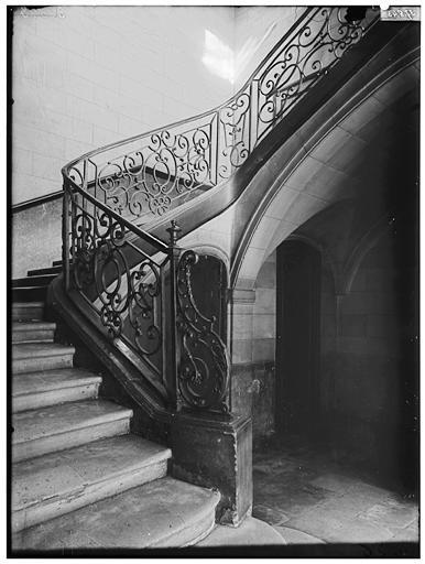 file h tel d 39 argouges h tel de moussy h tel s guier rampe d 39 escalier paris 01 m diath que. Black Bedroom Furniture Sets. Home Design Ideas