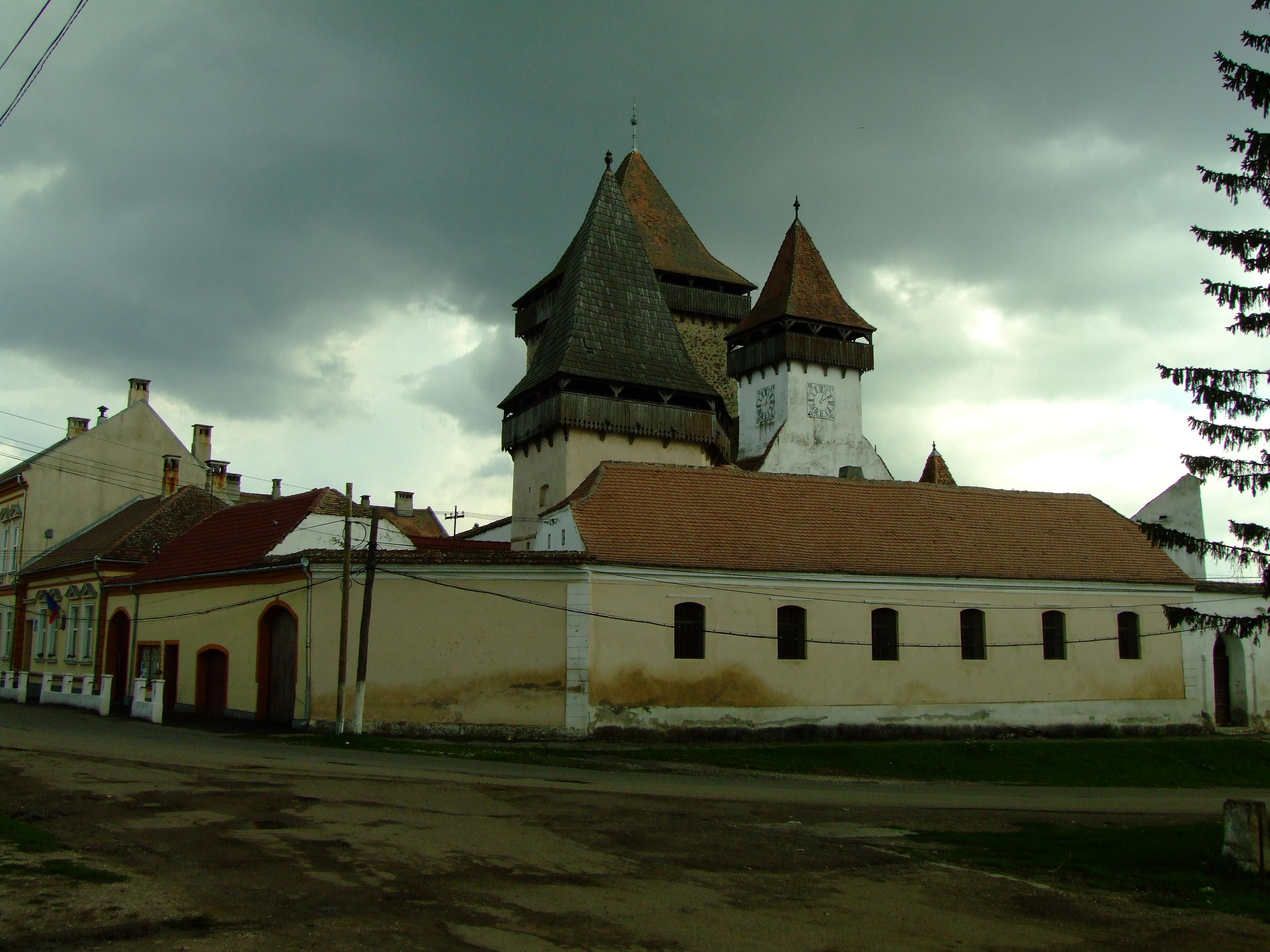 Biserica fortificată din Homorod