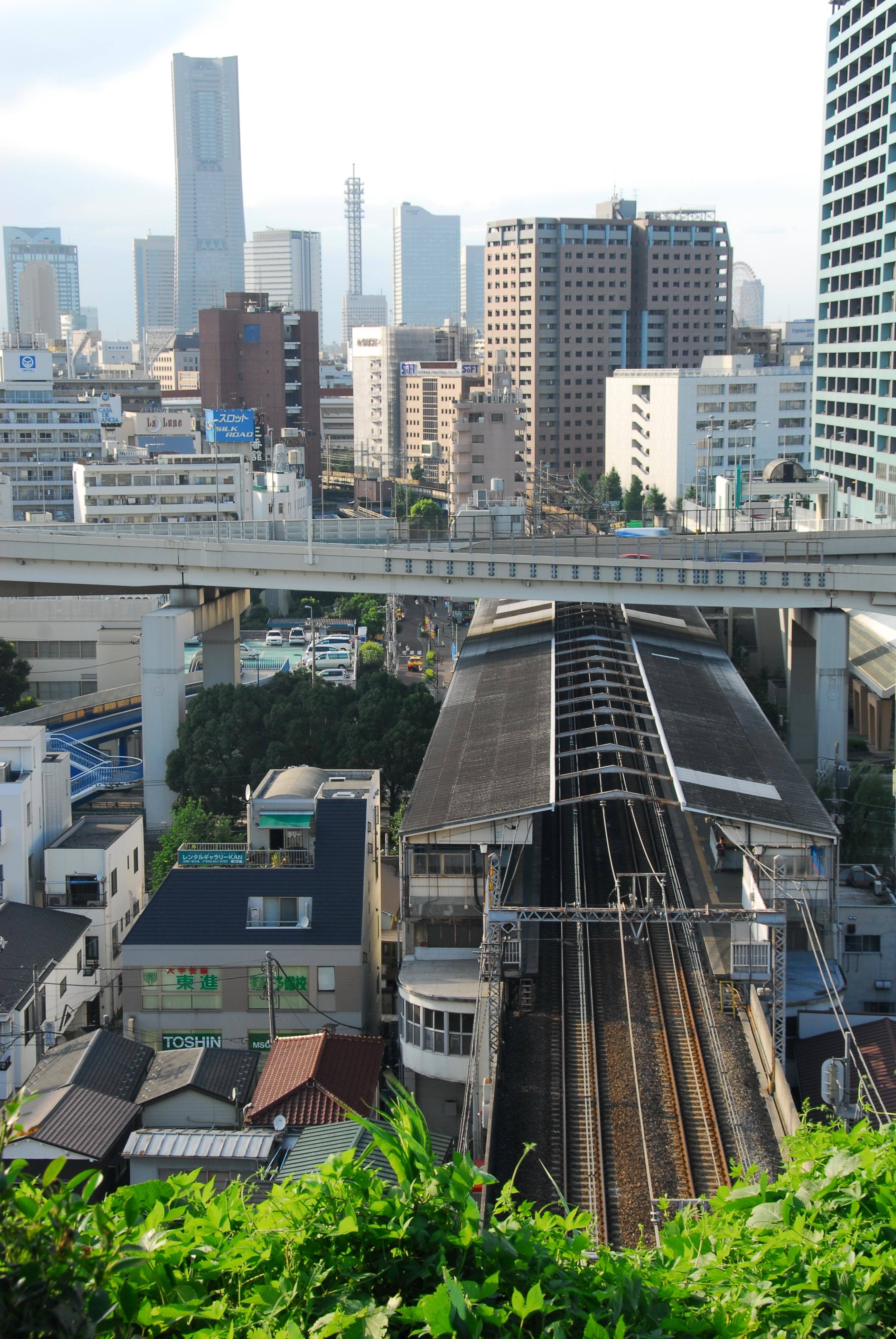 https://upload.wikimedia.org/wikipedia/commons/f/fd/Ishikawacho_Station.jpg