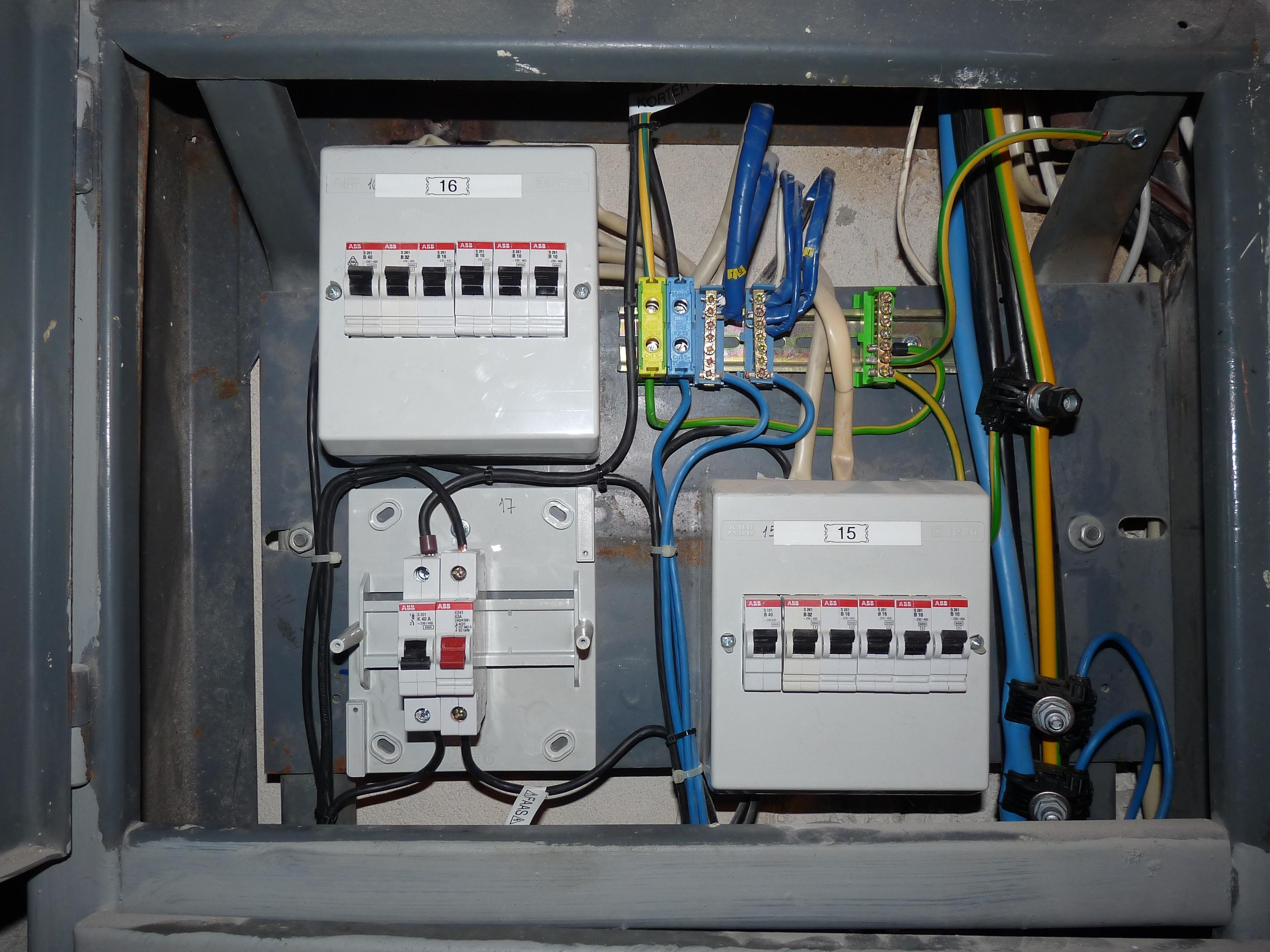 file kolde 100 17 rewiring of electricity meter jpg wikimedia commons rh commons wikimedia org