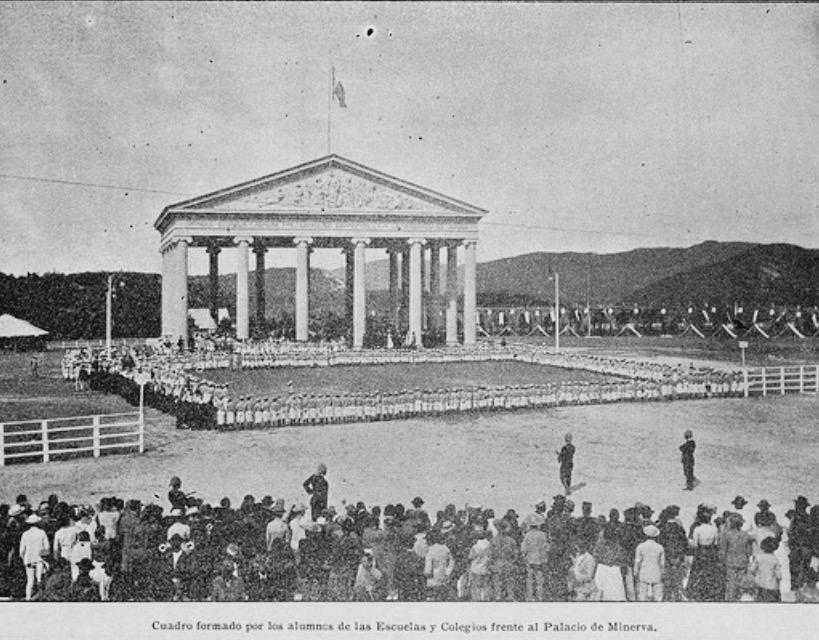 Templo de Minerva de la Ciudad de Guatemala en 1906.  La Locomotora.