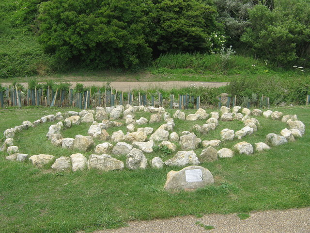 Labyrinth in Lower Leas Country Park - geograph.org.uk - 1355495