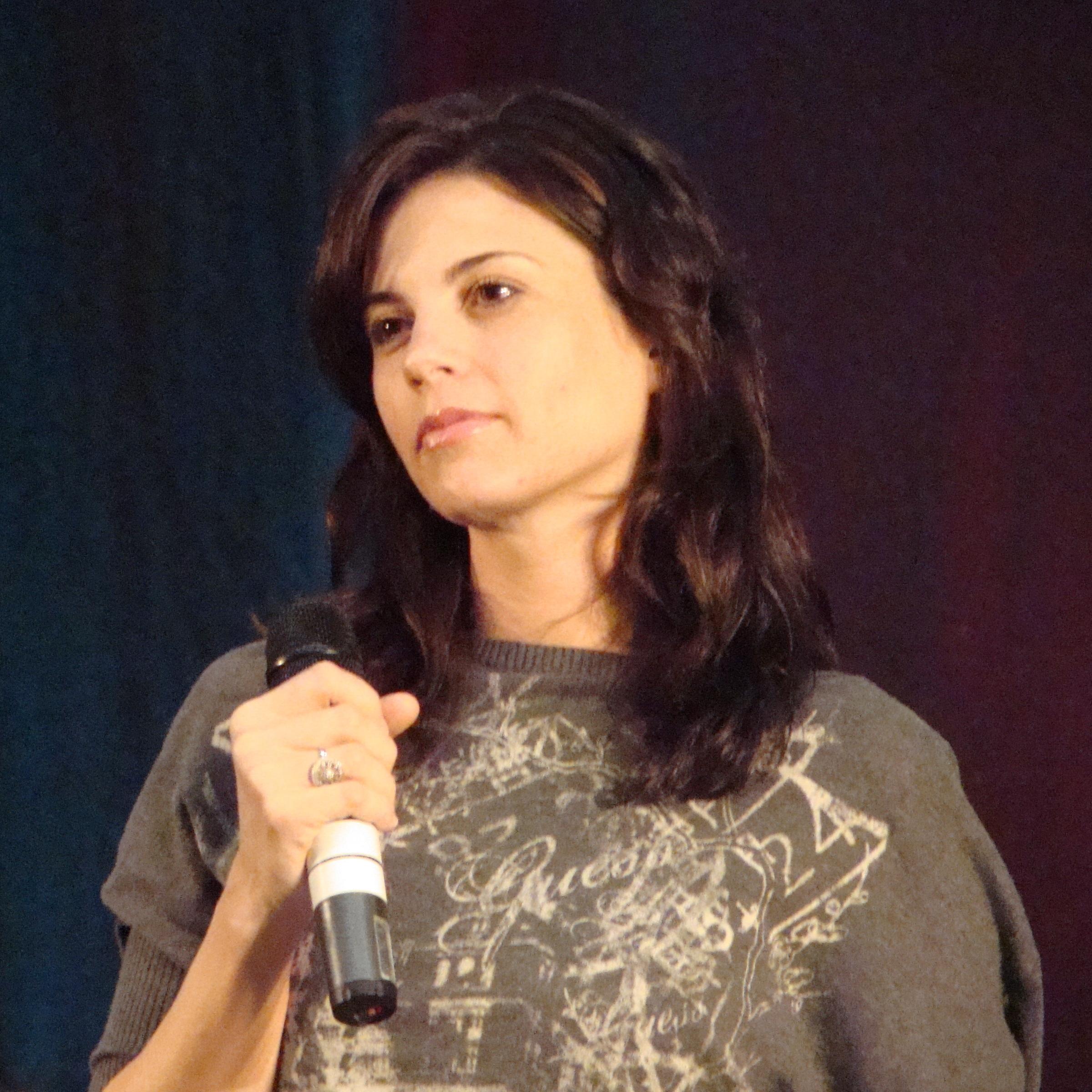 Leah Cairns in November 2009