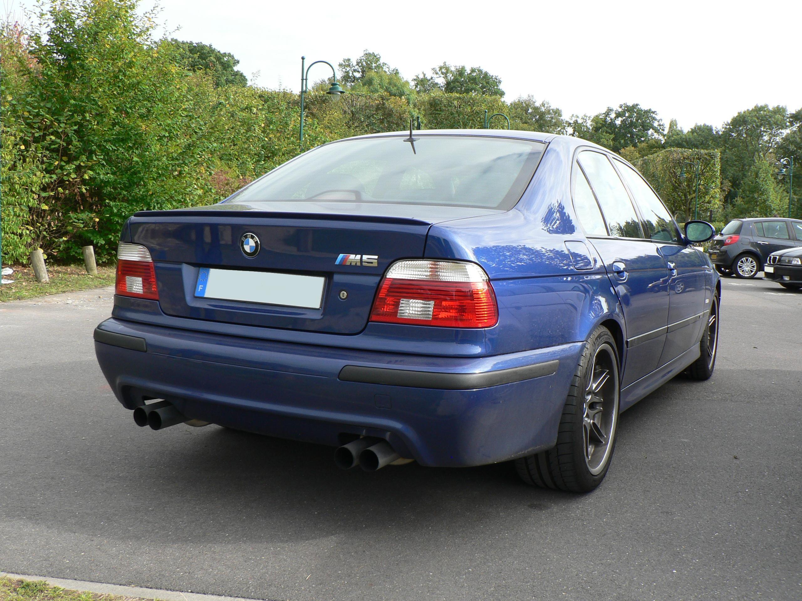 File:M5 E39 Rear.JPG