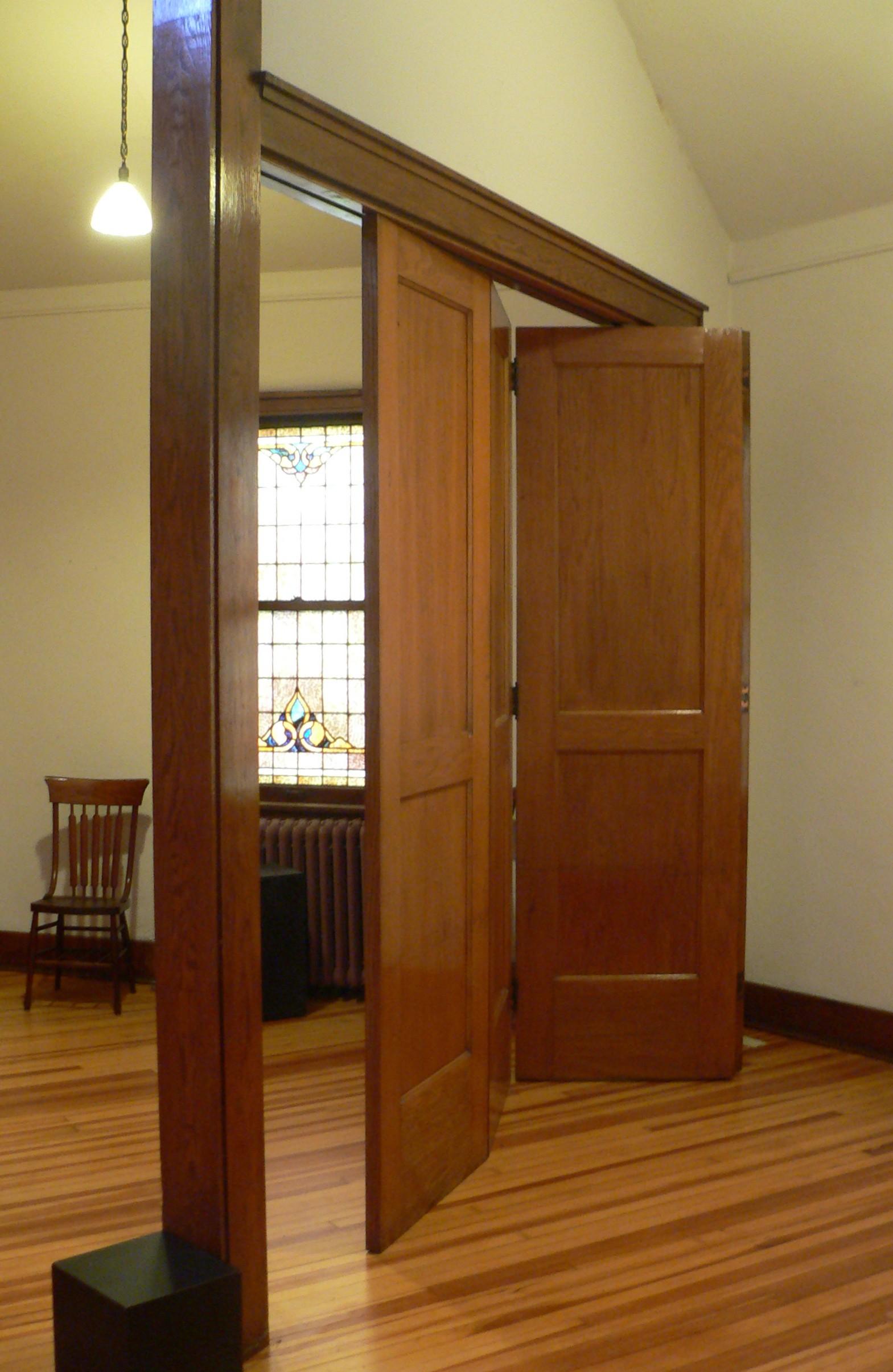 FileMadison Nebraska First Presbyterian Sunday-school doors 1.JPG & File:Madison Nebraska First Presbyterian Sunday-school doors 1.JPG ...