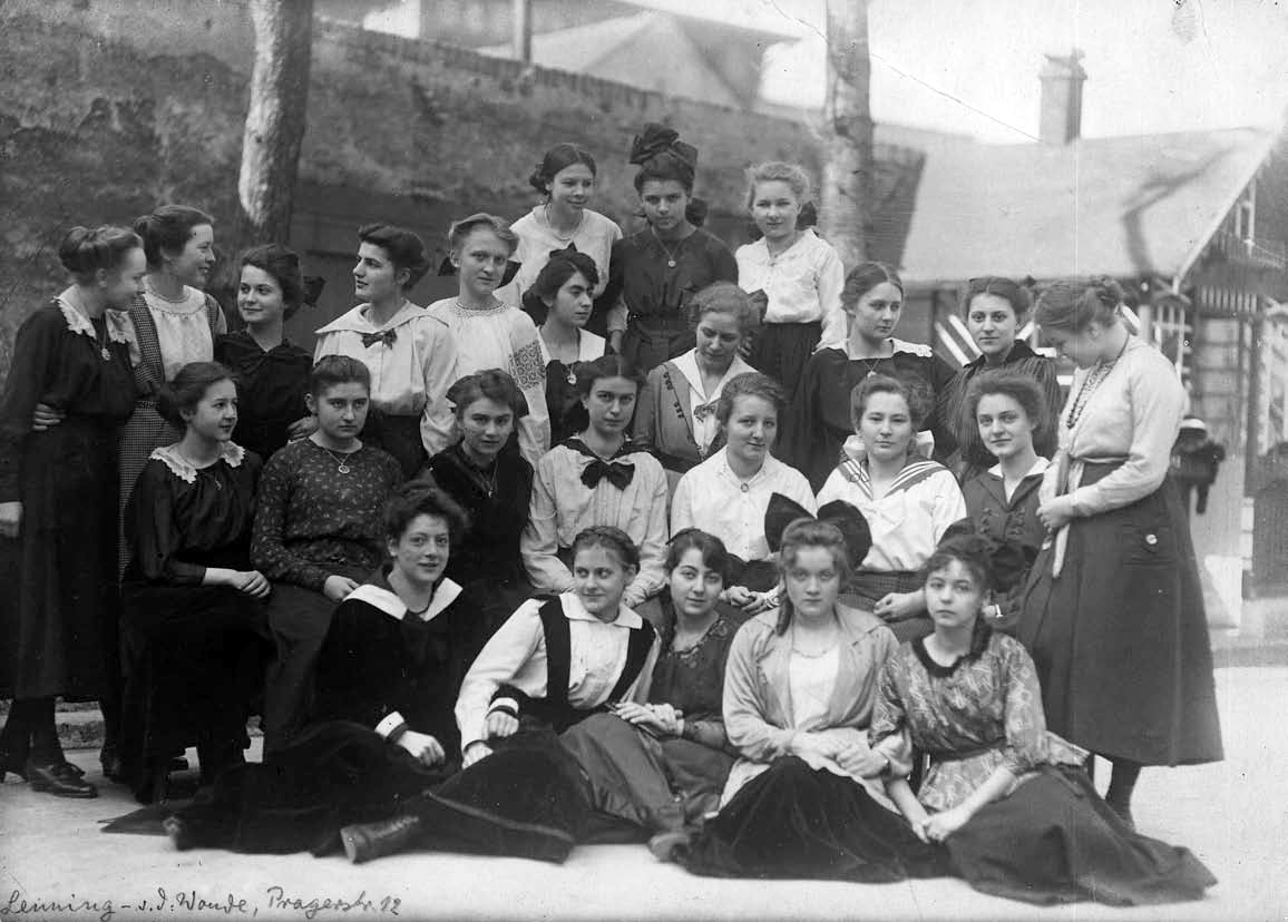 File Marlene Dietrich School 1918 Wikimedia Mons