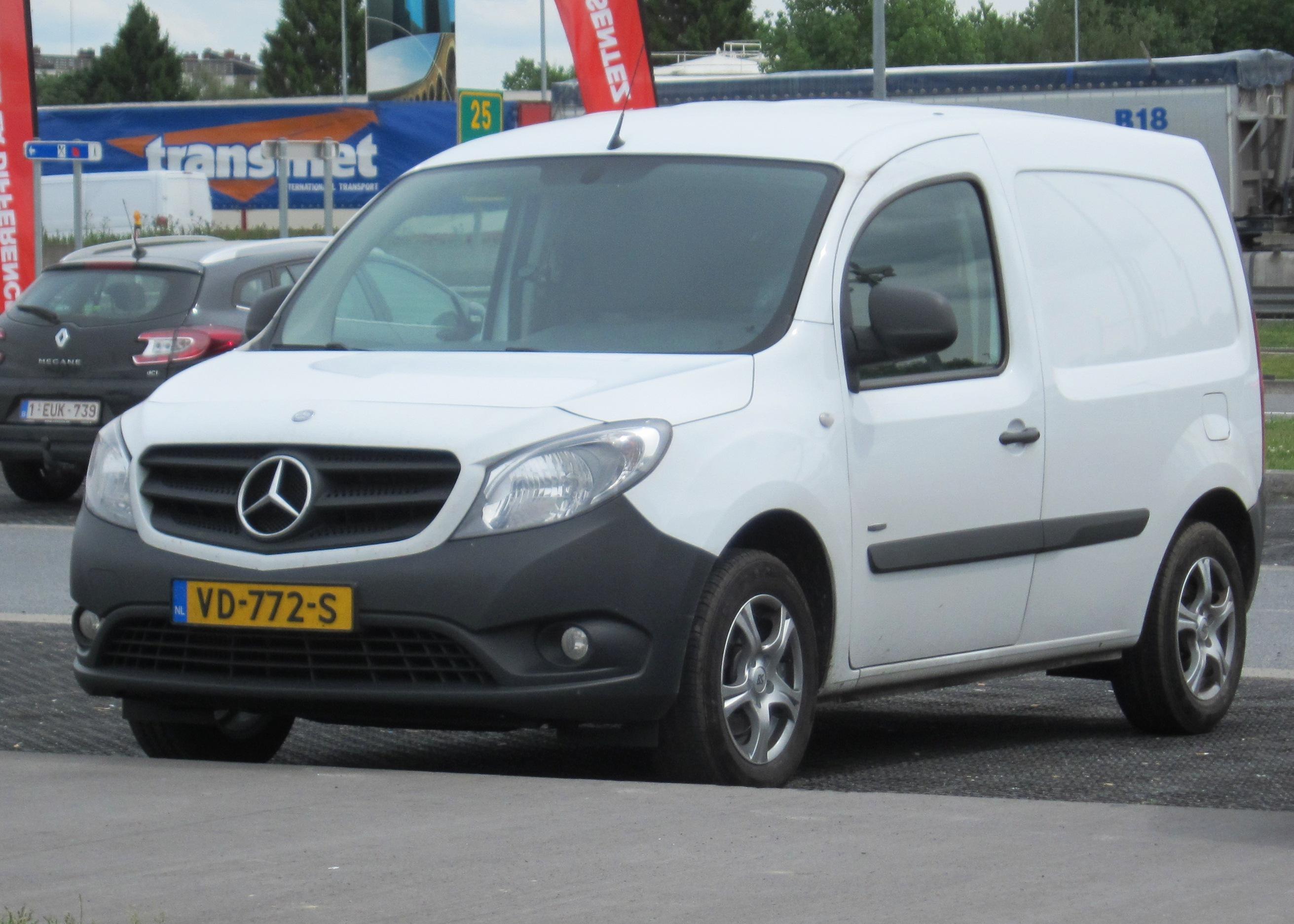 Mercedes Benz Van >> File:Mercedes-Benz Citan panel van aka Kangoo by Mercedes.JPG - Wikimedia Commons