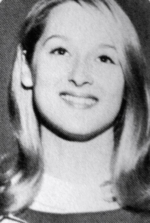 File:Meryl Streep cheerleader 1966 (cropped 2).jpg - Wikipedia