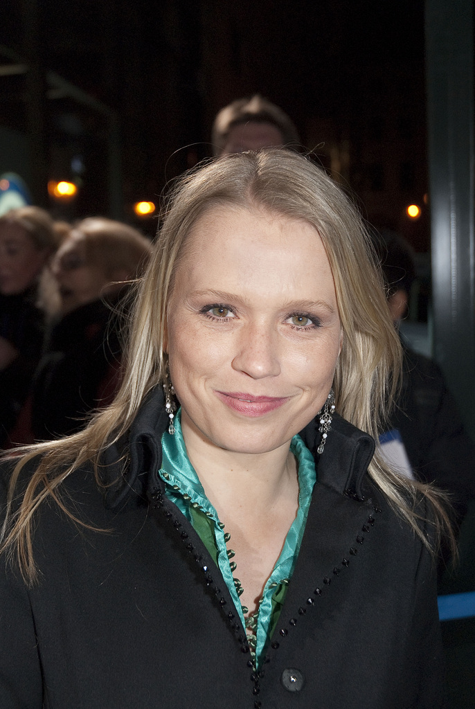 Nova Meierhenrich - Images Actress