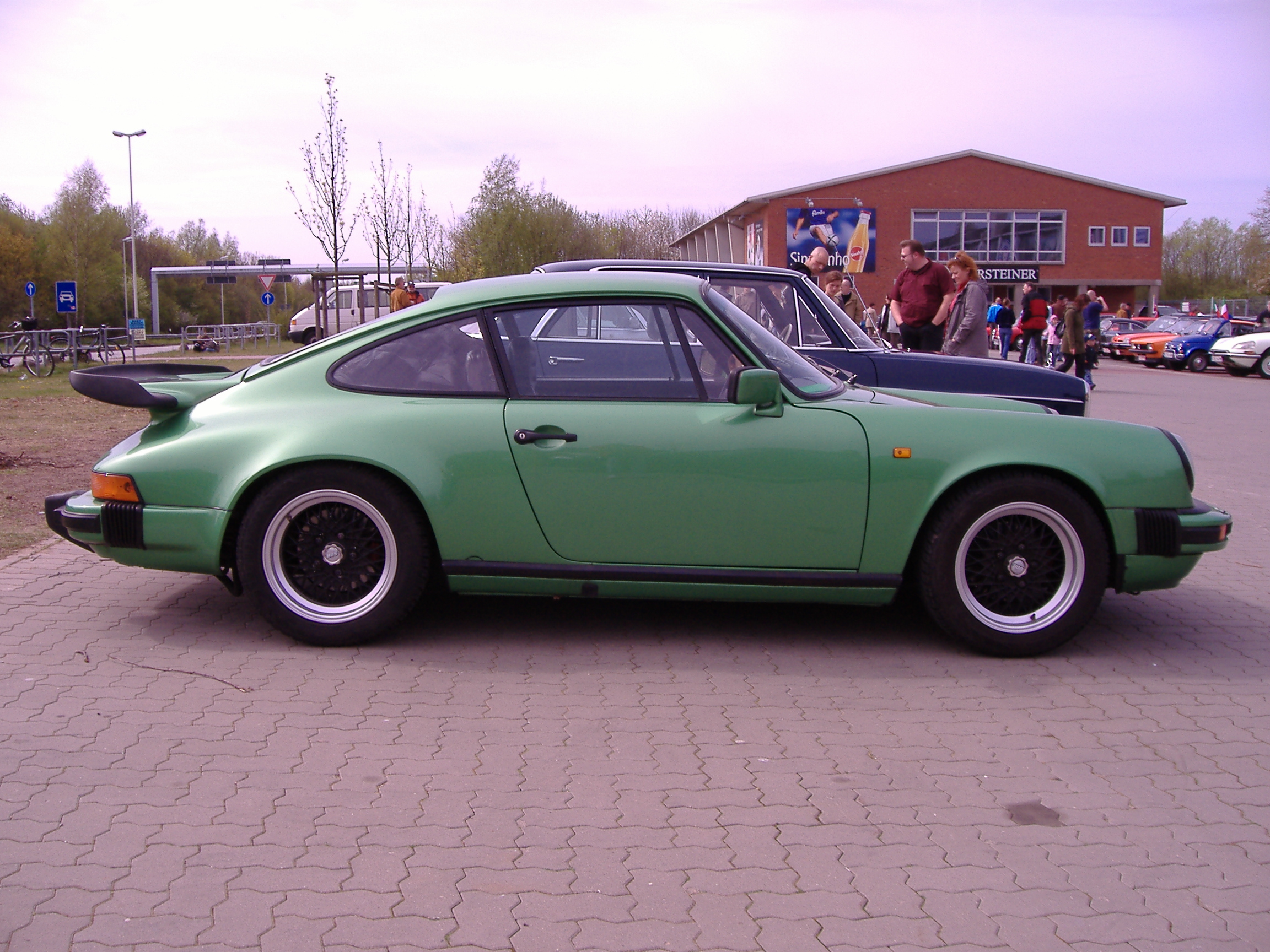 File P911 Turbo Green Sideview Jpg Wikimedia Commons