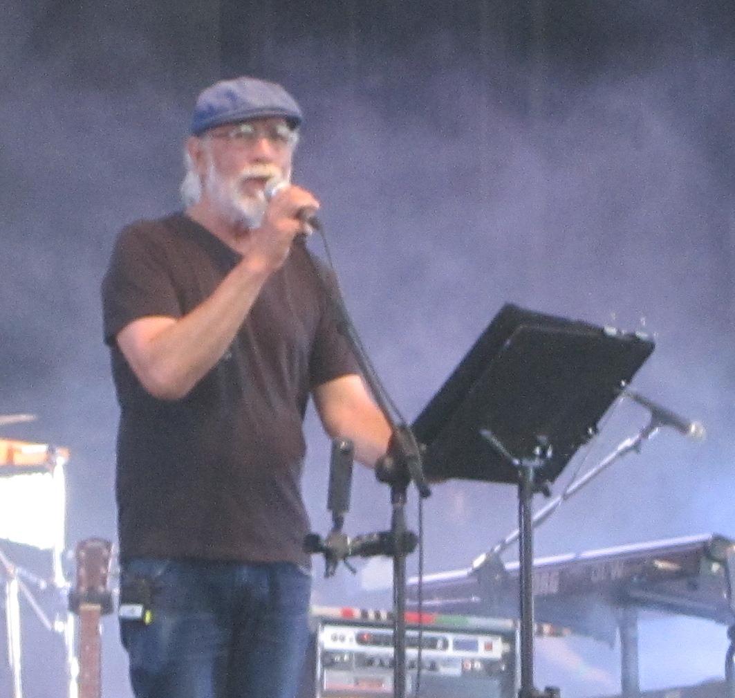Francisco Sazo vocalista fundador de la banda