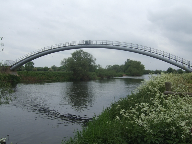 Pipe Bridge over the River Trent (geograph 1888593)