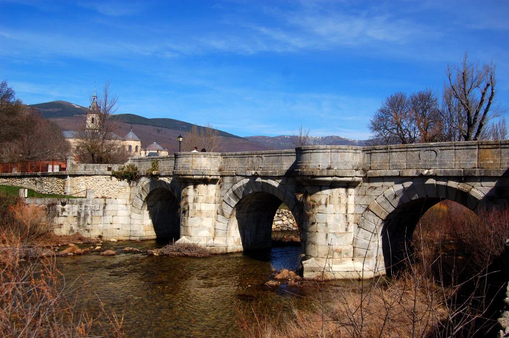Puente del Perdón sobre el Río Lozoya.jpg
