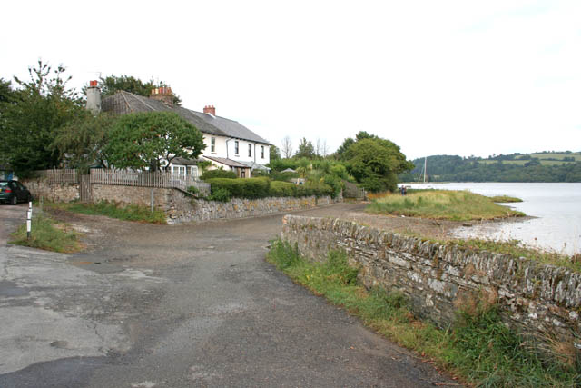 Riverside cottages at Bere Ferrers - geograph.org.uk - 224662
